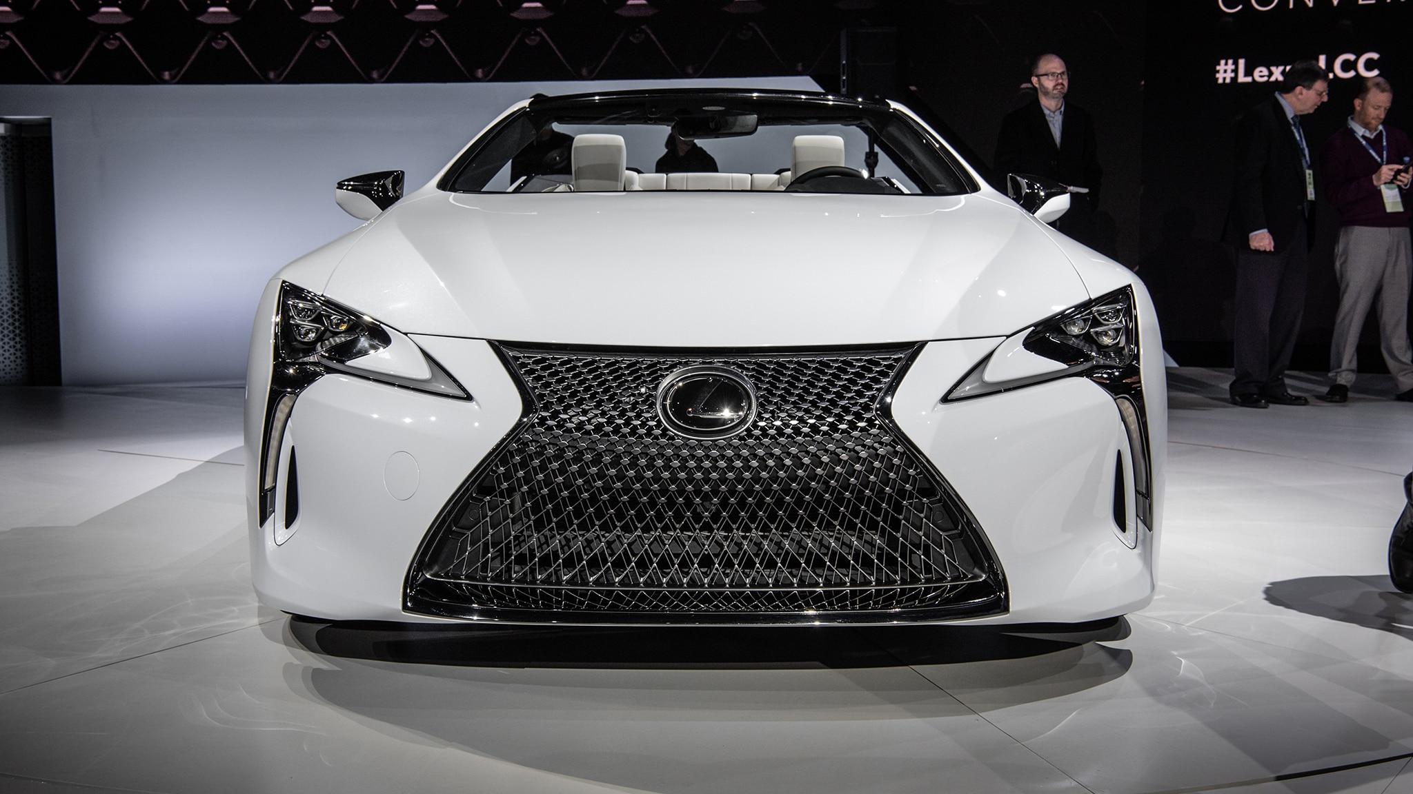 2020 Lexus LC500 Convertible 02