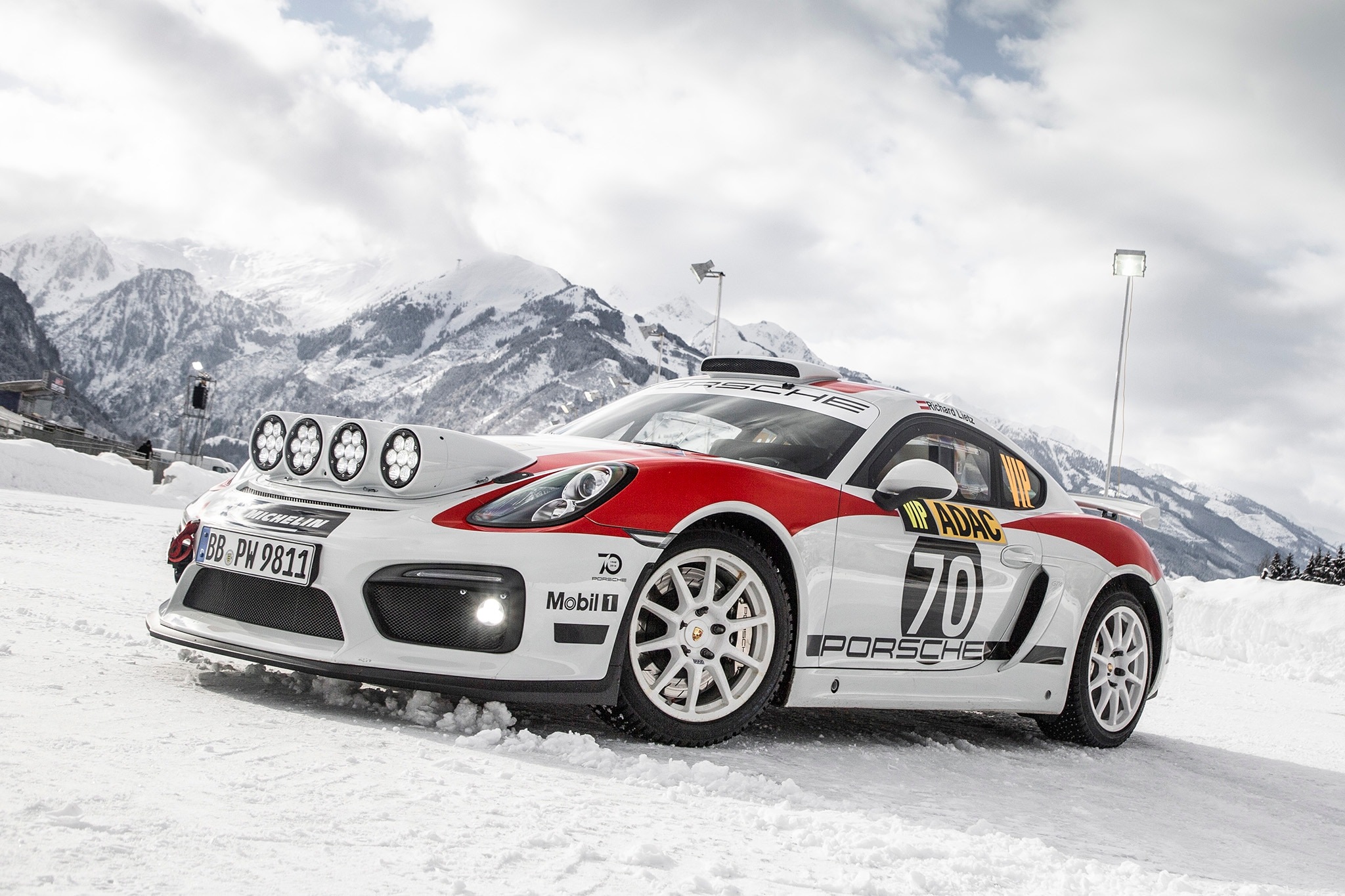 Porsche Cayman GT4 Rallye Concept Front Three Quarters