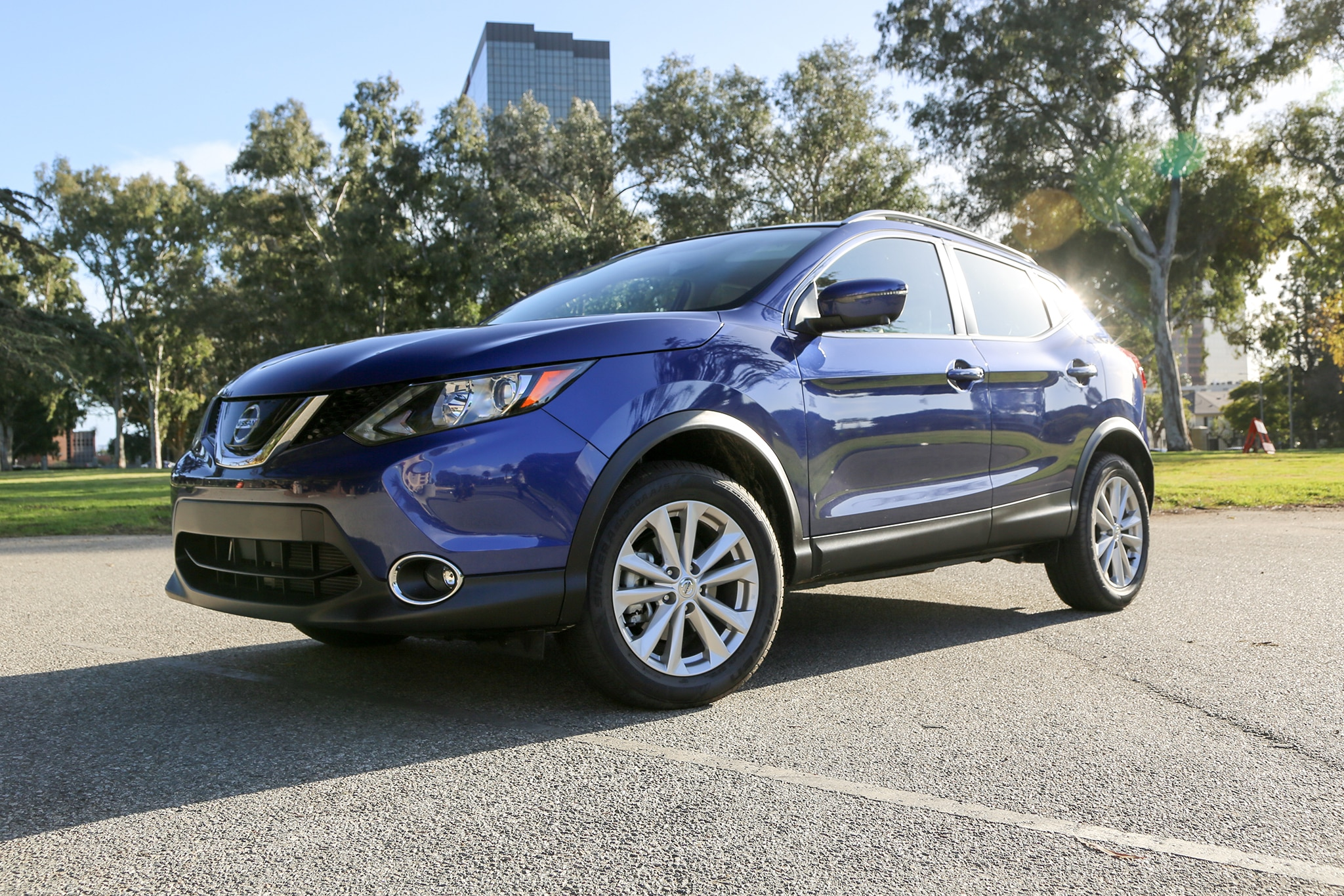2018 5 nissan rogue sport review it ll get you there. Black Bedroom Furniture Sets. Home Design Ideas