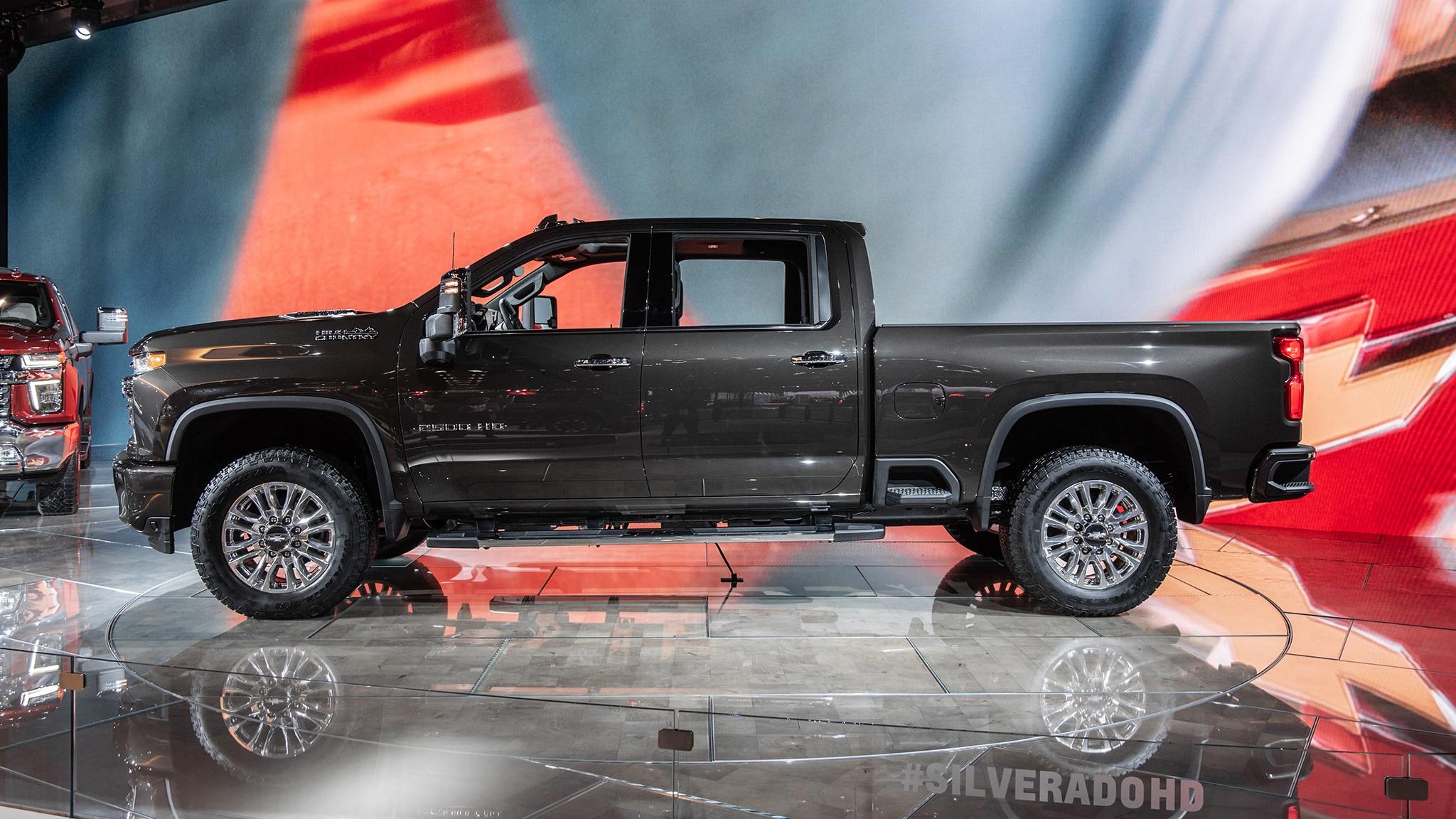 2020 Chevrolet Silverado HD Debuts: Big-Time Max Towing | Automobile Magazine
