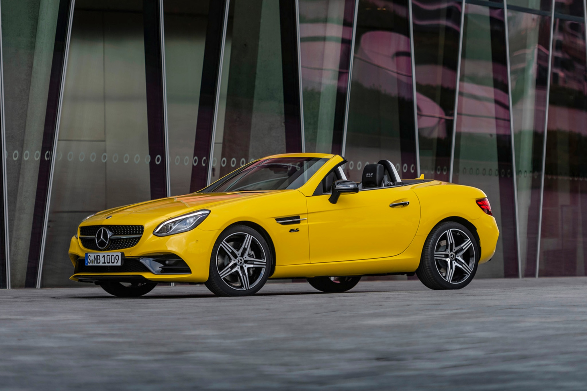 2020 Mercedes Benz SLC300 Final Edition Front Three Quarters Side