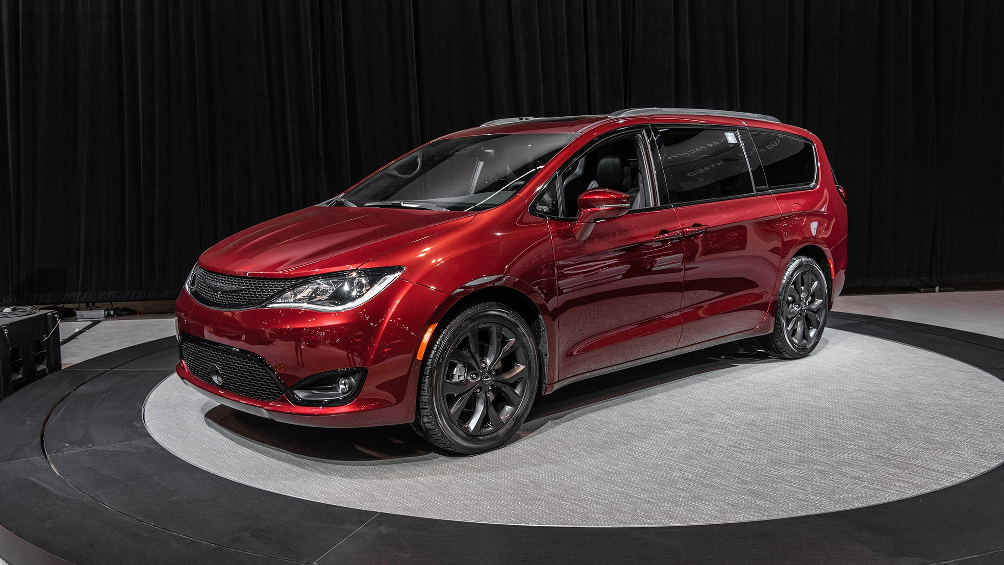 Chrysler Pacifica 35th Anniversary Edition At Chicago Auto 20