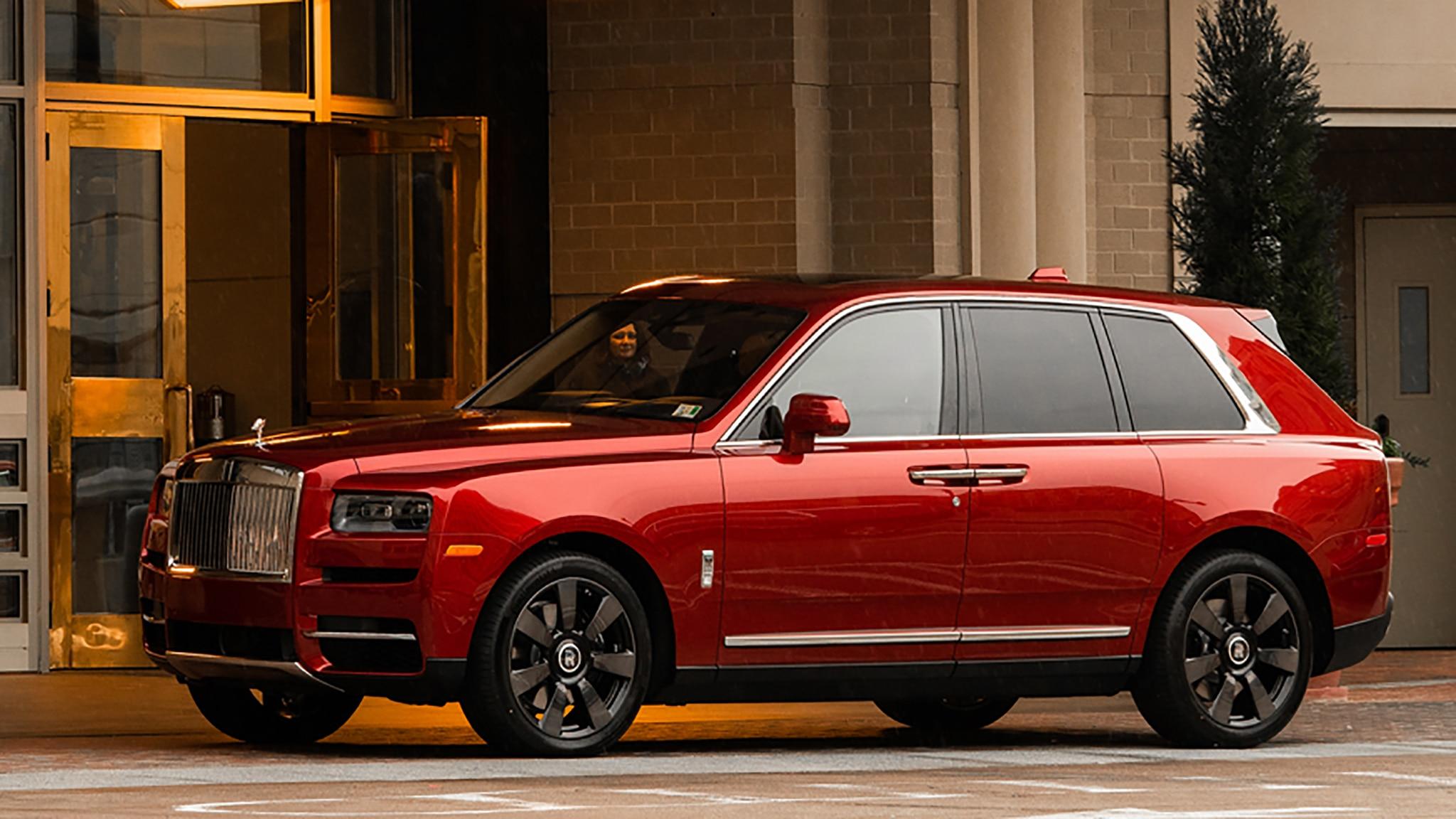 Mandarian Oriental Rolls Royce Cullinan Side