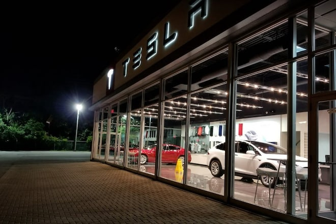 Tesla Cleveland Showroom