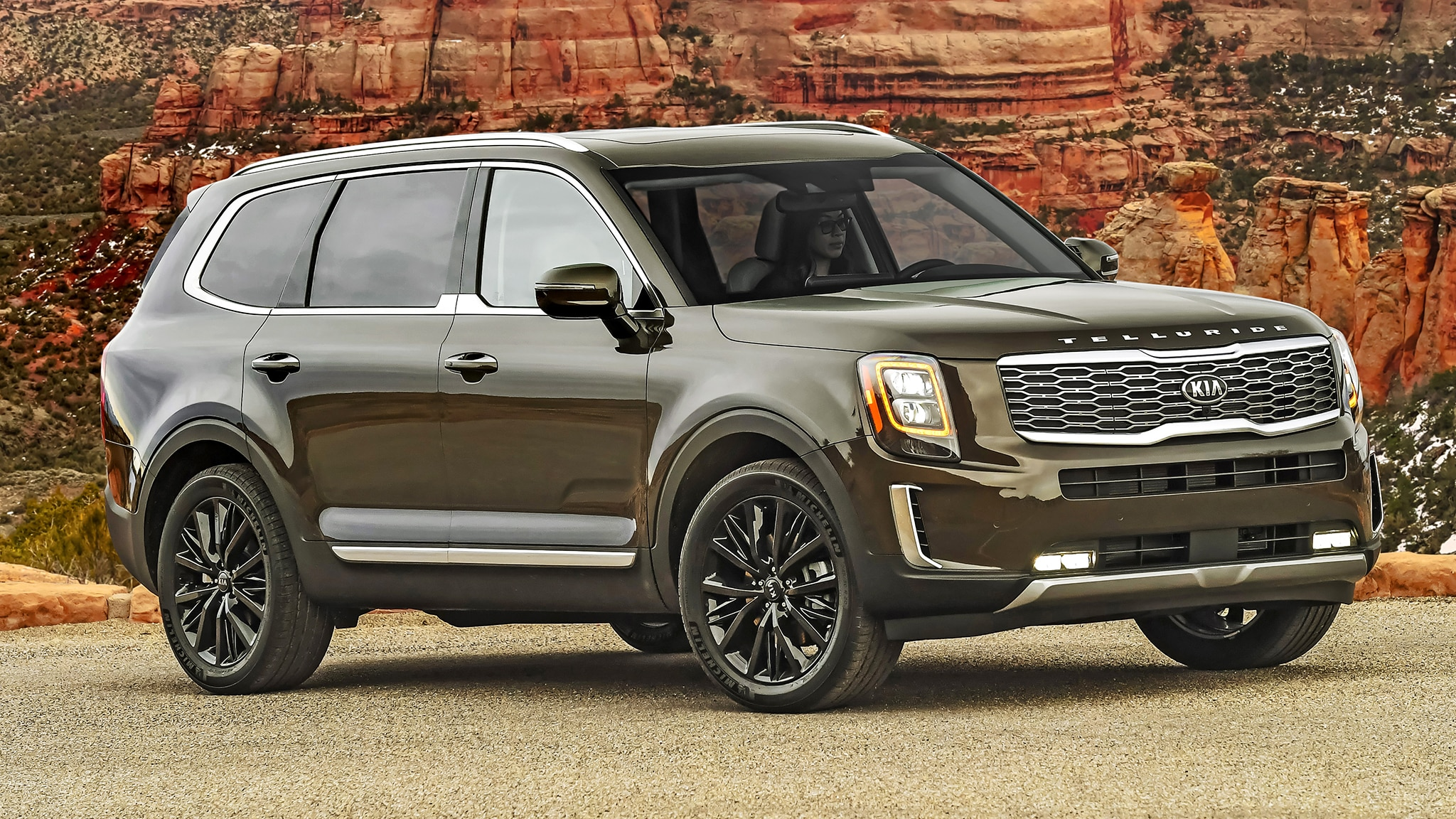 First Drive Review: The 2020 Kia Telluride Is Classy and ...