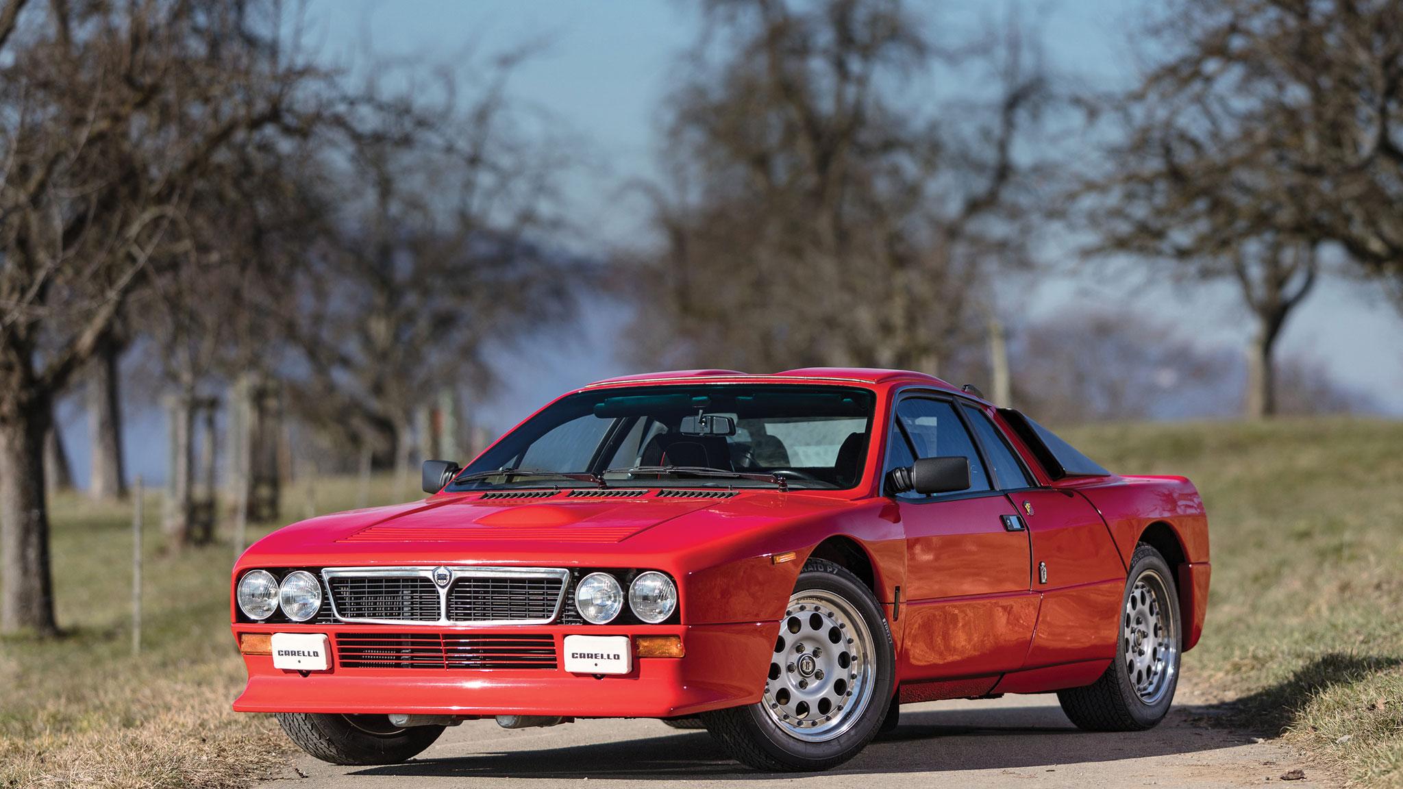 1982_Lancia_037_Rally_Stradale_front_three_quarter