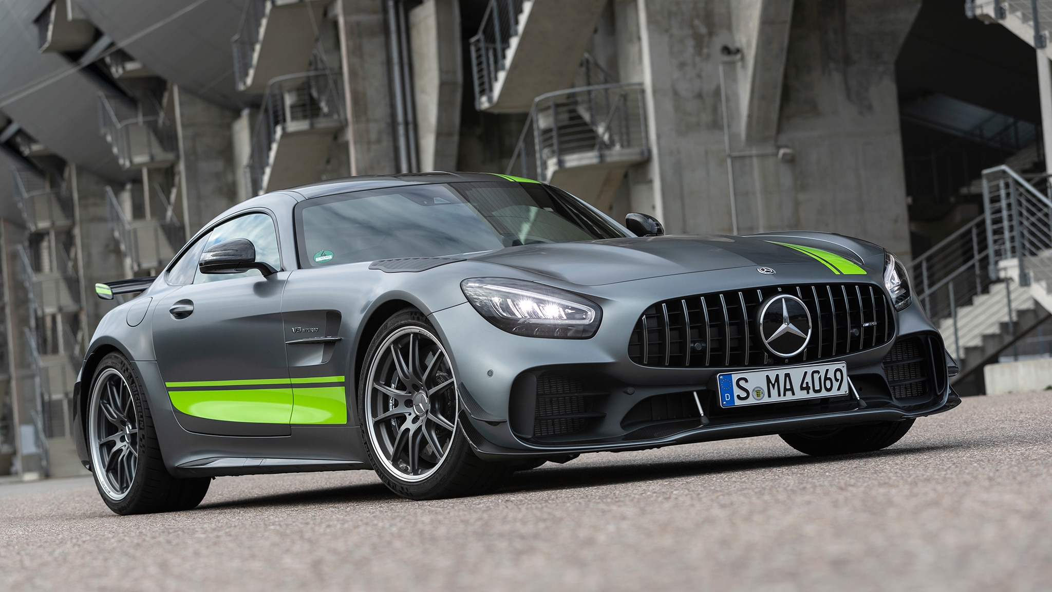 2020 Mercedes-AMG GT R Pro First Drive: Serious Drivers ...