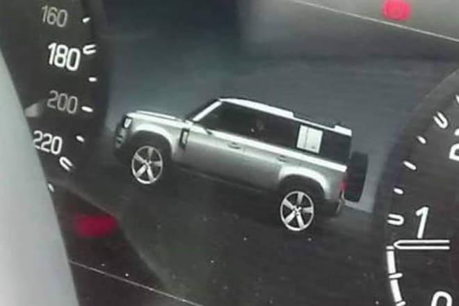 2020 Land Rover Defender Digital Dashboard Image