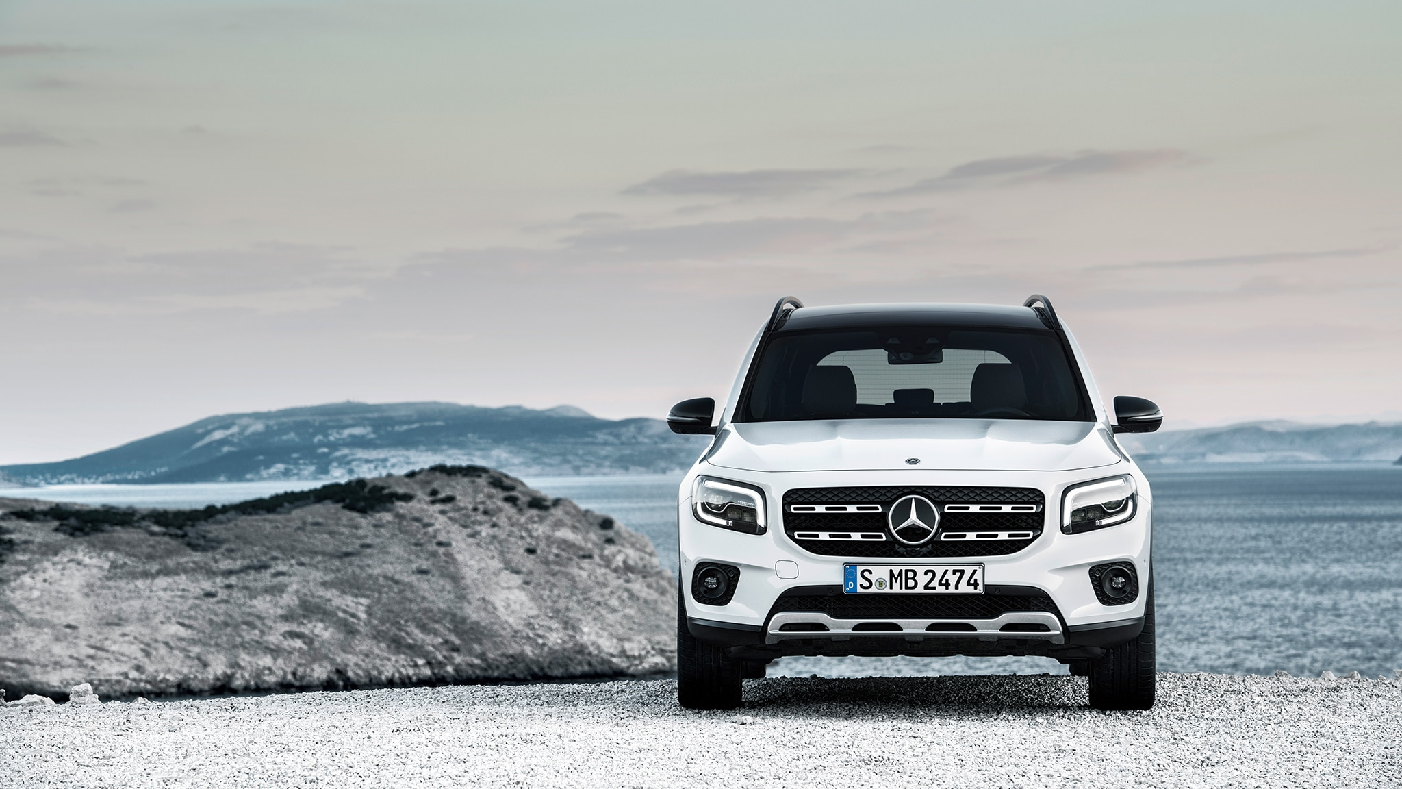 2020 Mercedes-Benz GLB: Specs, Design, Price >> 2020 Mercedes Benz Glb250 Photos And Info It S Juuuust