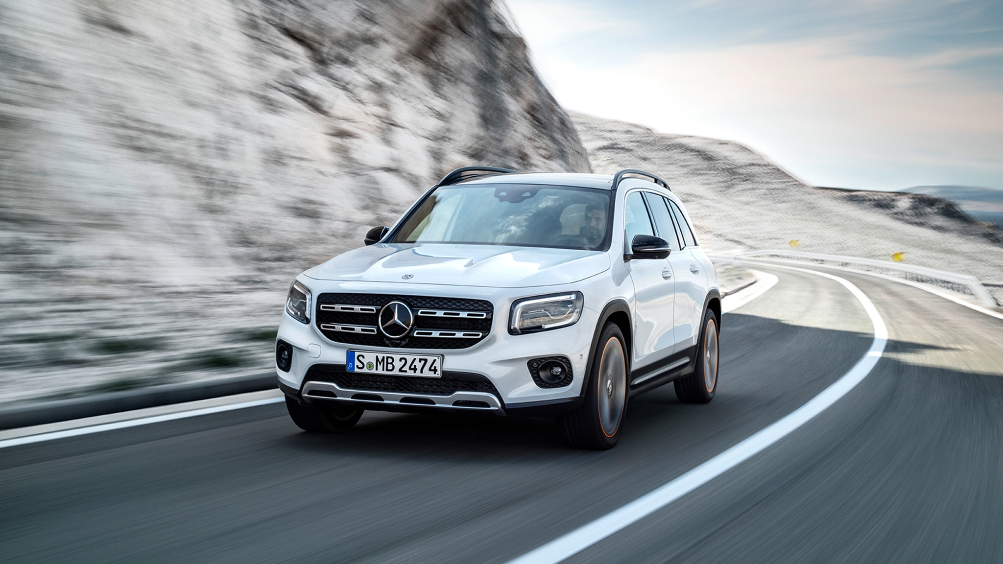 2020 Mercedes – Benz GLB SUV Release Date And Plug-In Hybrid Specs >> 2020 Mercedes Benz Glb250 Photos And Info It S Juuuust