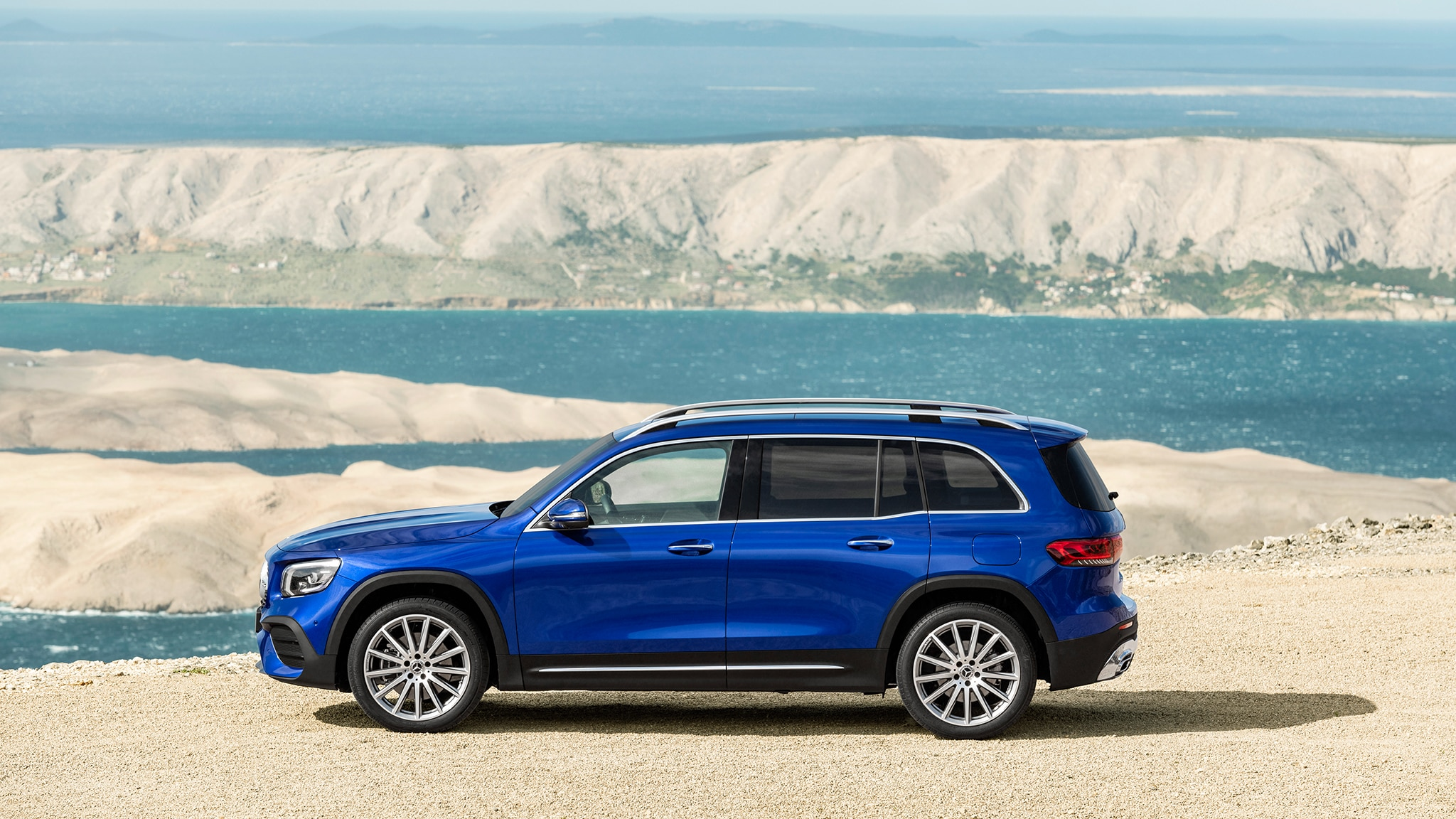 The 2020 Mercedes GLB-class SUV Is Juuuust Right ...