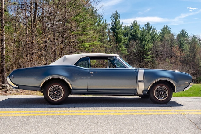 The Oldsmobile 442 Played the Role of Luxury Muscle Car