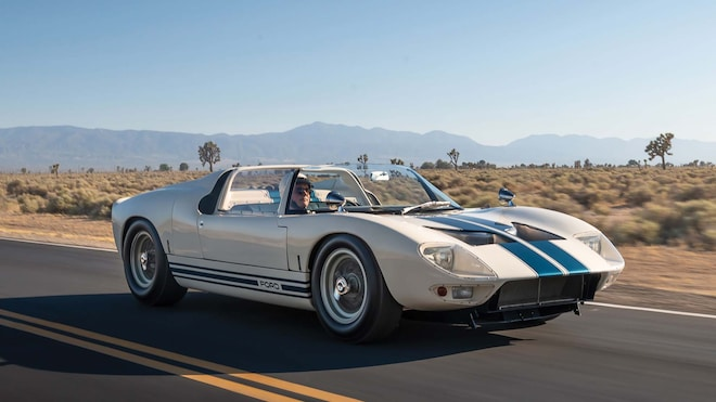 1965 Ford GT40 Roadster Prototype Front Three Quarter Motion