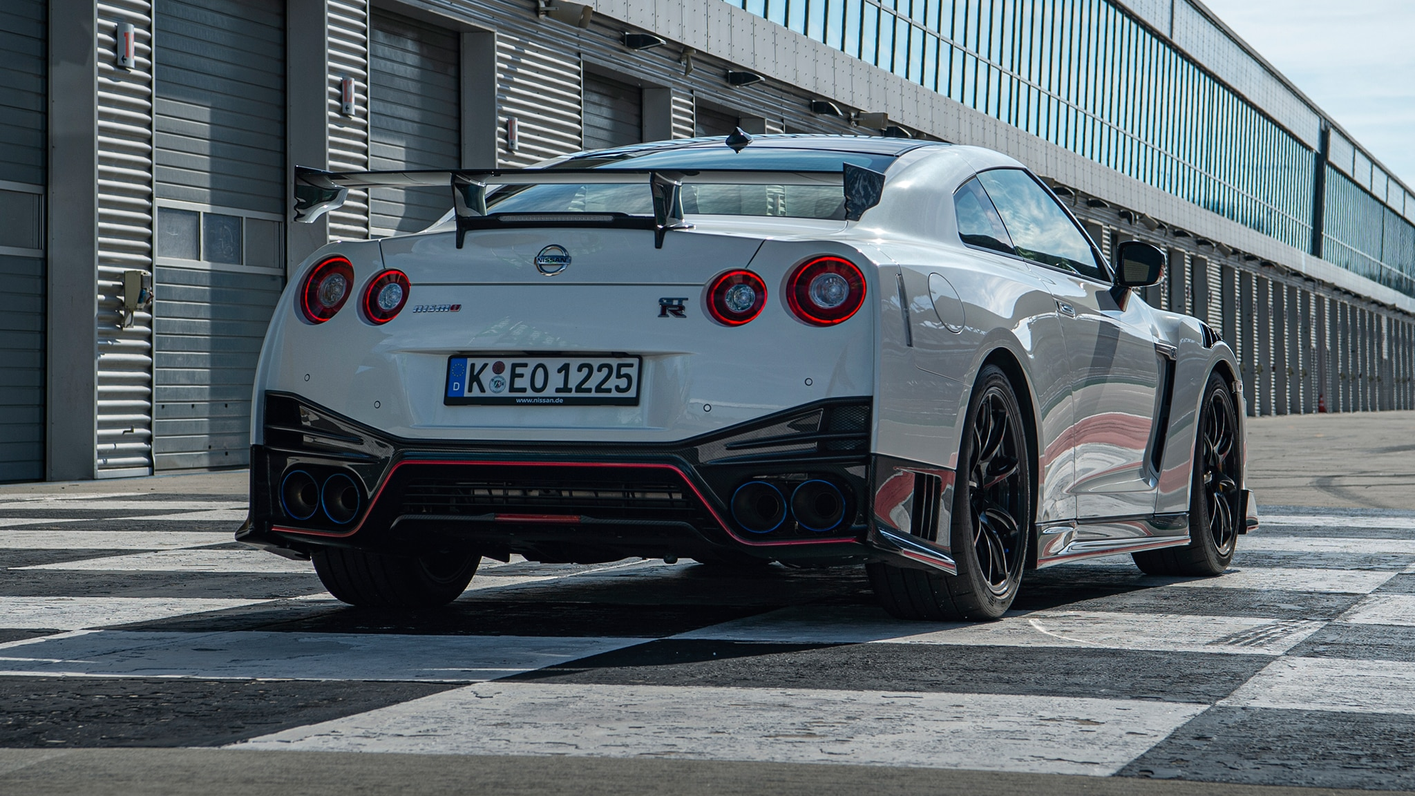 There S Now A Nissan Gt R That Costs 212 000 Automobile