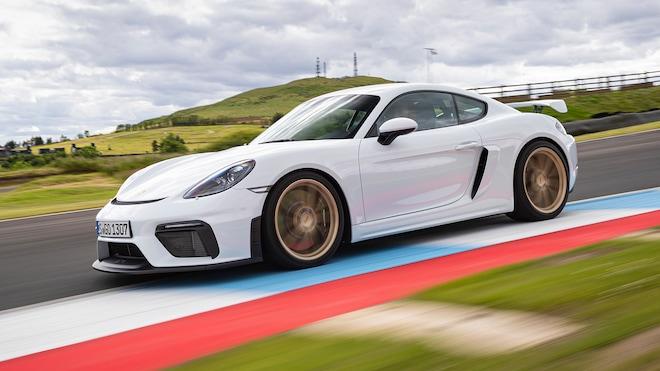 2020 Porsche 718 Cayman GT4 White 17