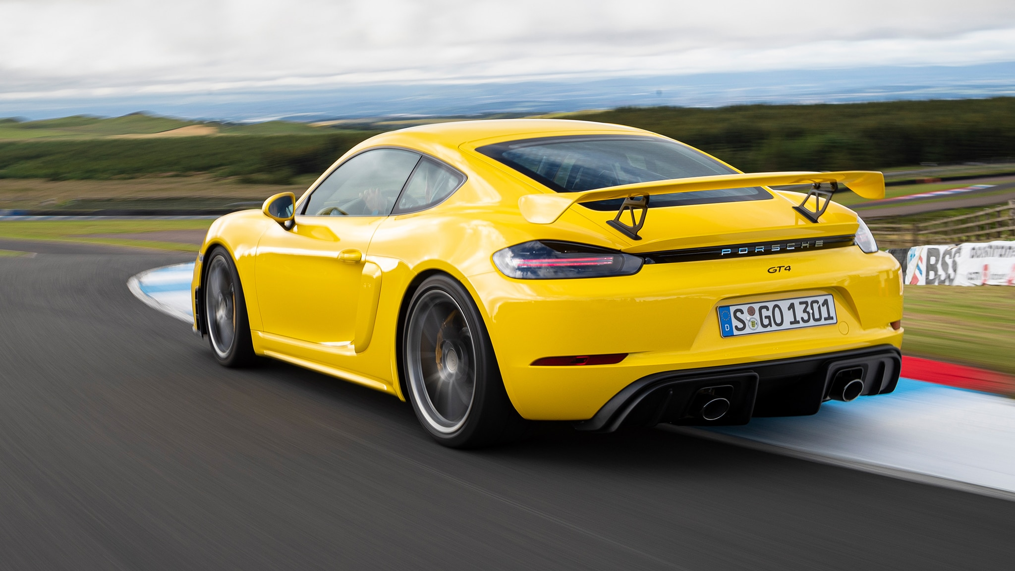 2020 Porsche Cayman GT4: How You Should Spec It ...