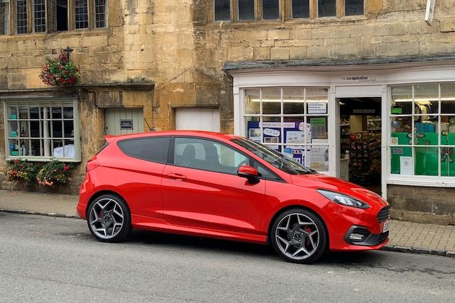 2019 Ford Fiesta ST 38