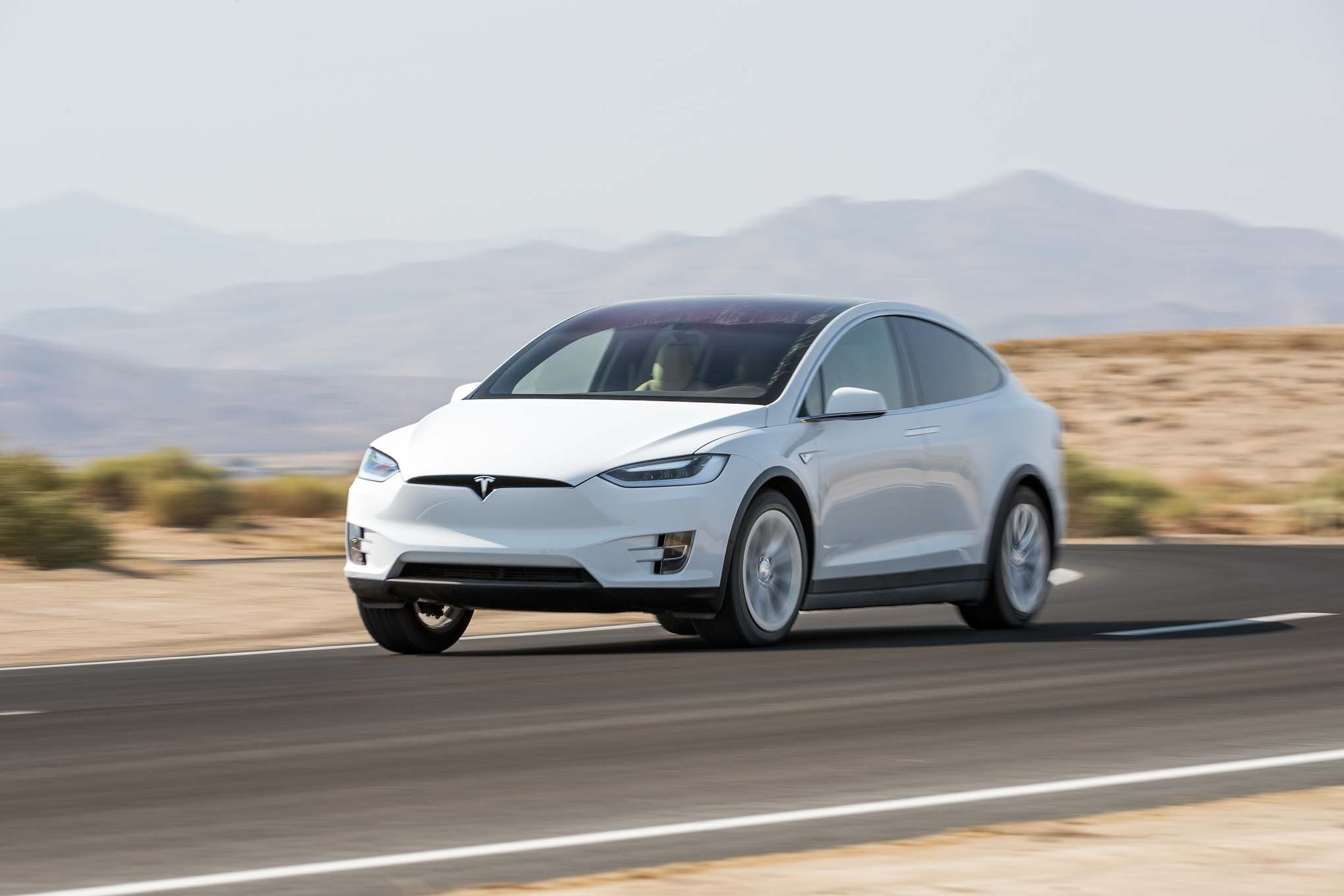 2016 Tesla Model X 75d Front Three Quarter In Motion 02