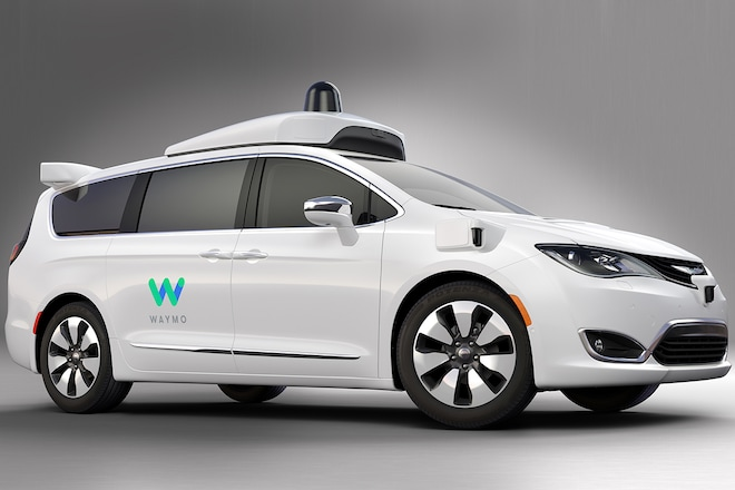 2017 Chrysler Pacifica Hybrid For Waymo Front Three Quarter 02