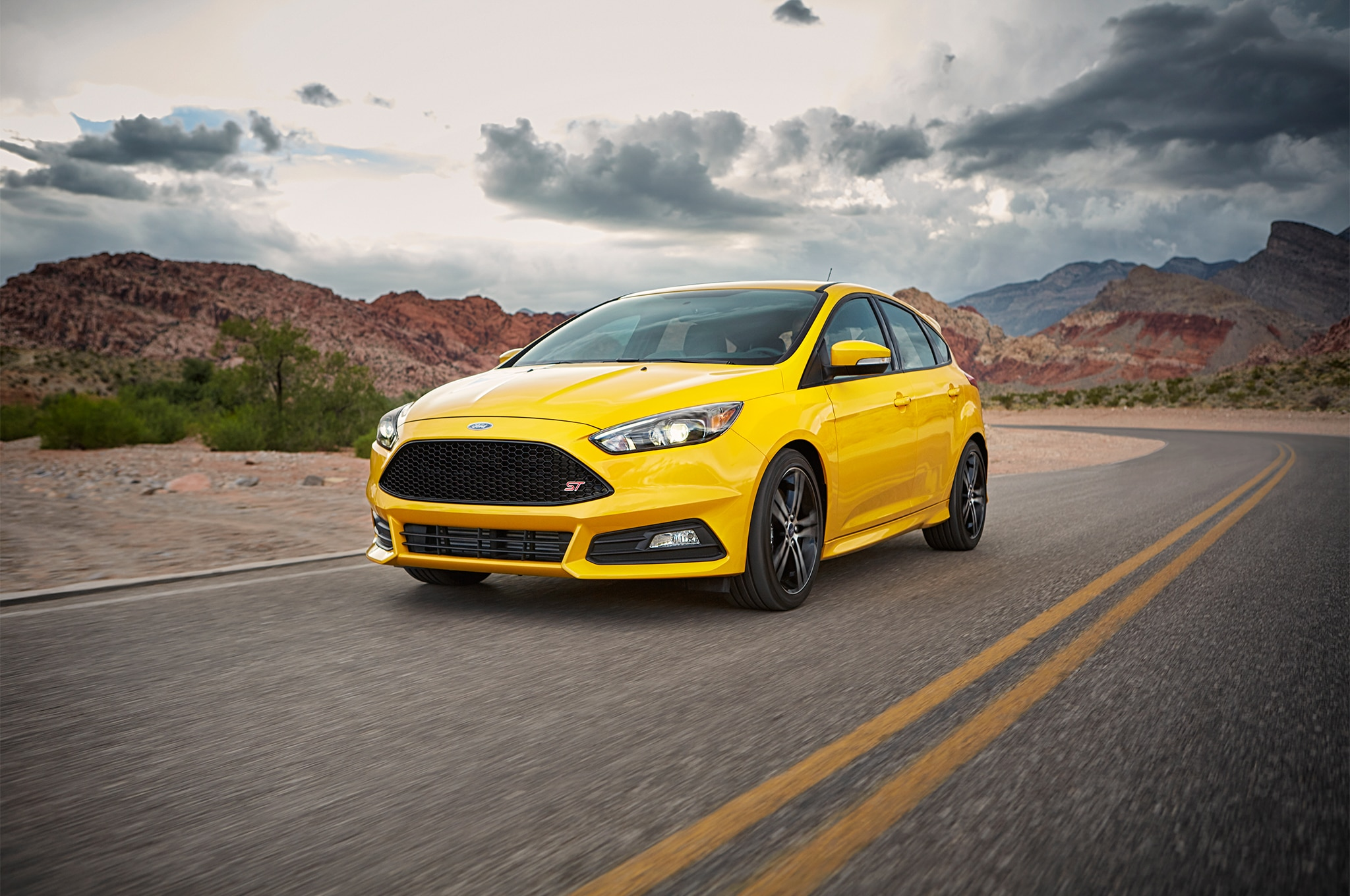 2017 Ford Focus ST Front Three Quarter