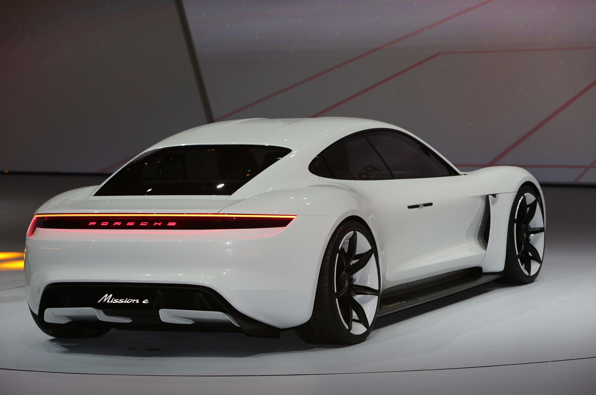 Demand for Porsche\u0027s Taycan EV Is Sky High
