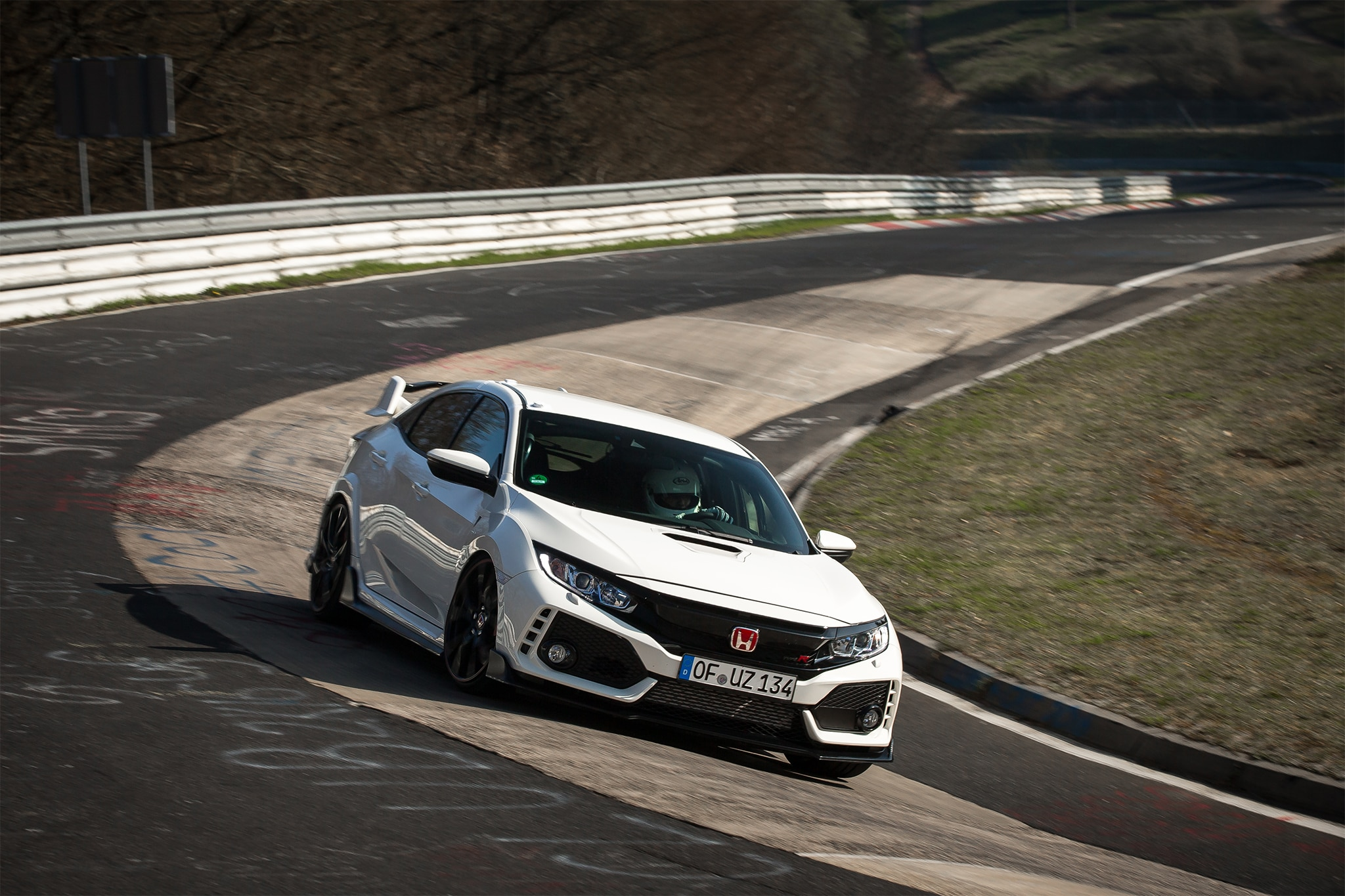 2017 Honda Civic Type R Front Three Quarter In Motion 07