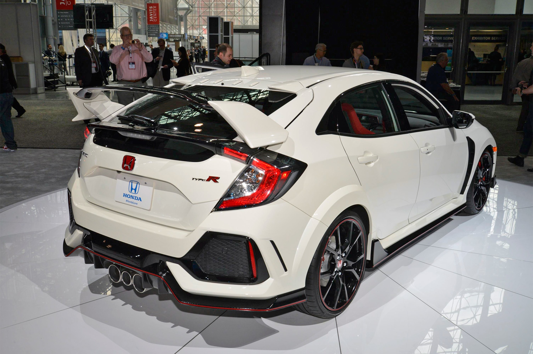 2017 Honda Civic Type R Rear Three Quarter 02