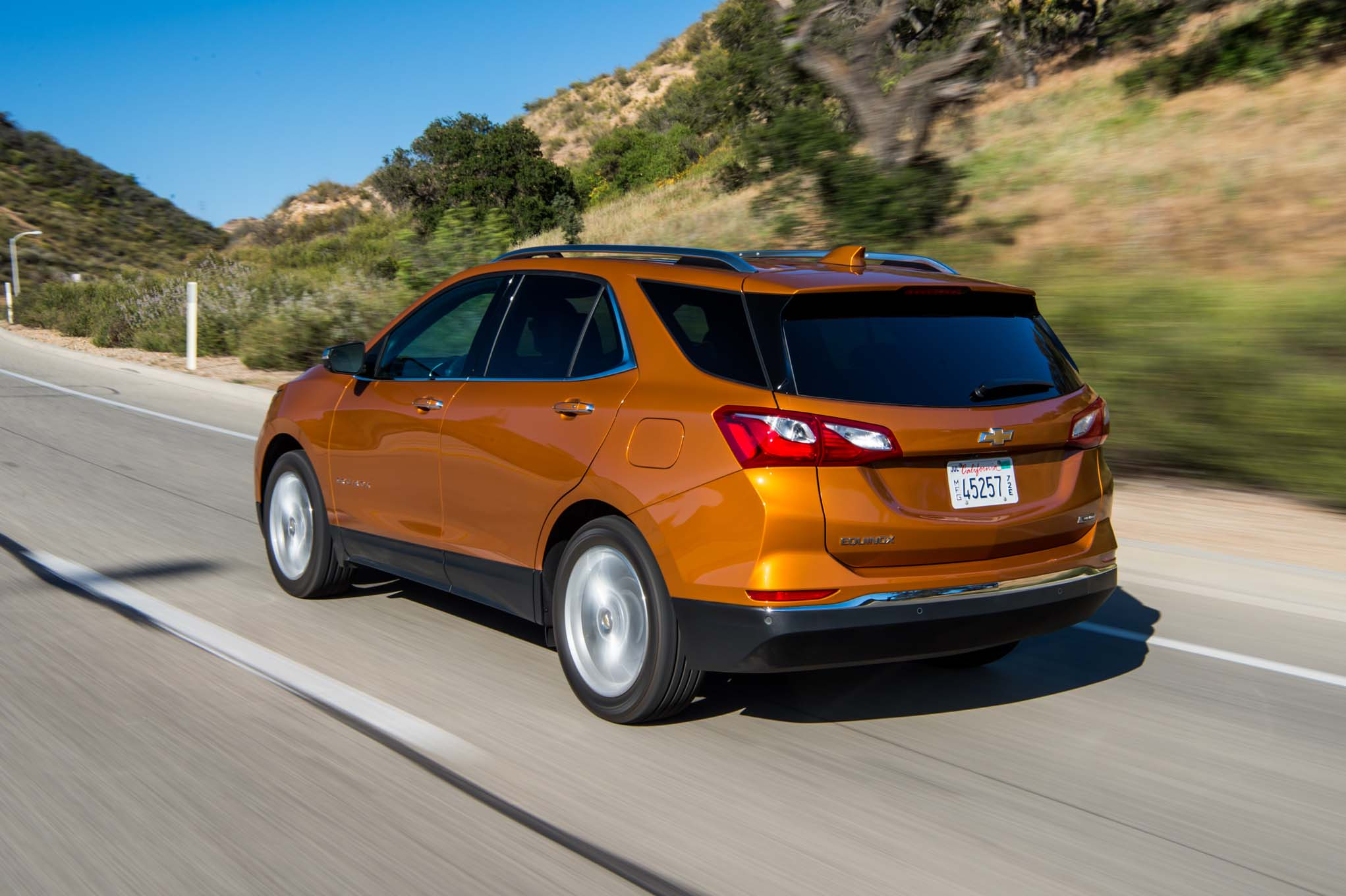 chevrolet equinox diesel claims 577 miles of range automobile magazine