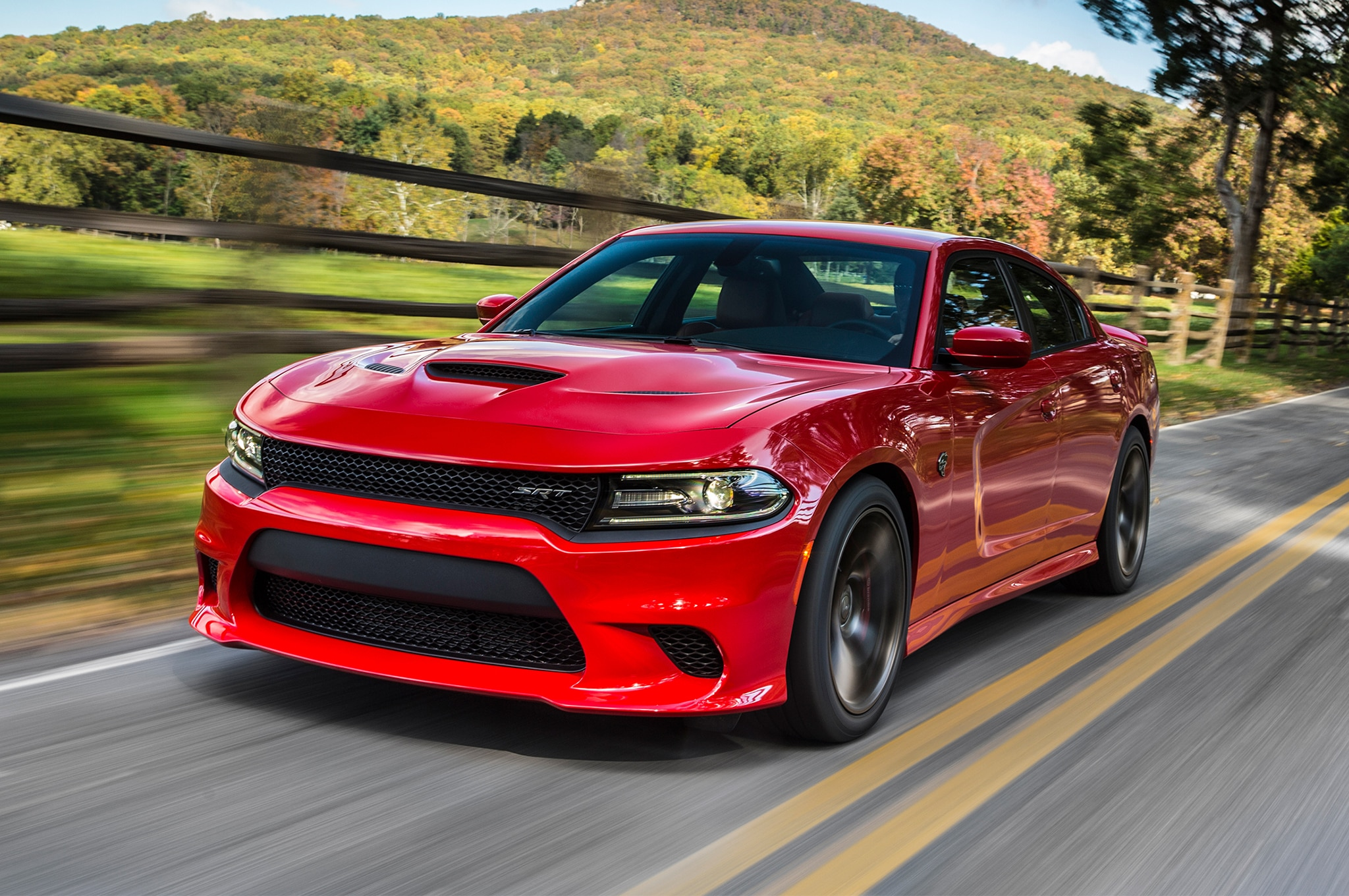 2019 Dodge Charger SRT Hellcat Receives New Grille