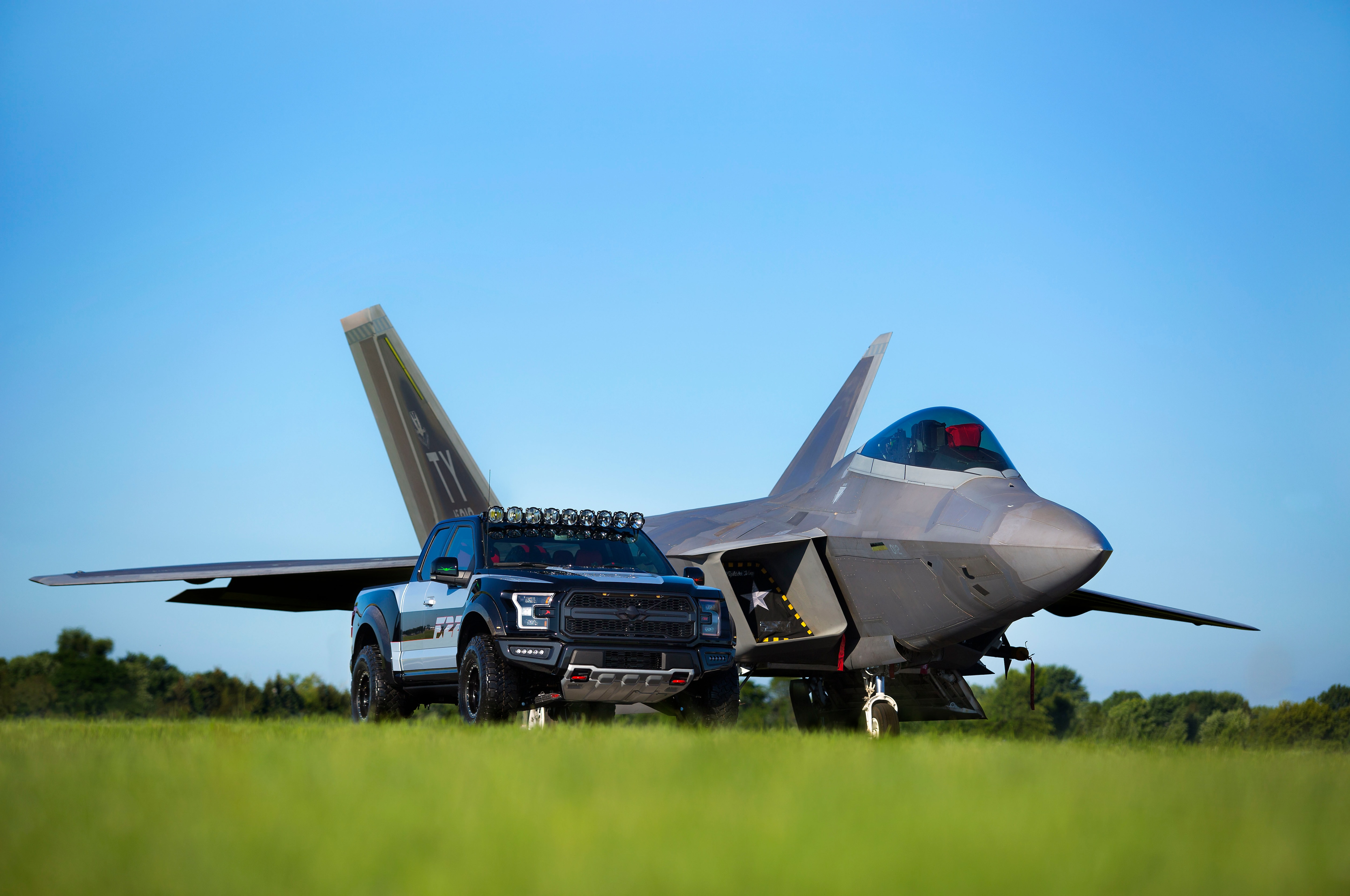 Ford F 22 F 150 Raptor With Jet