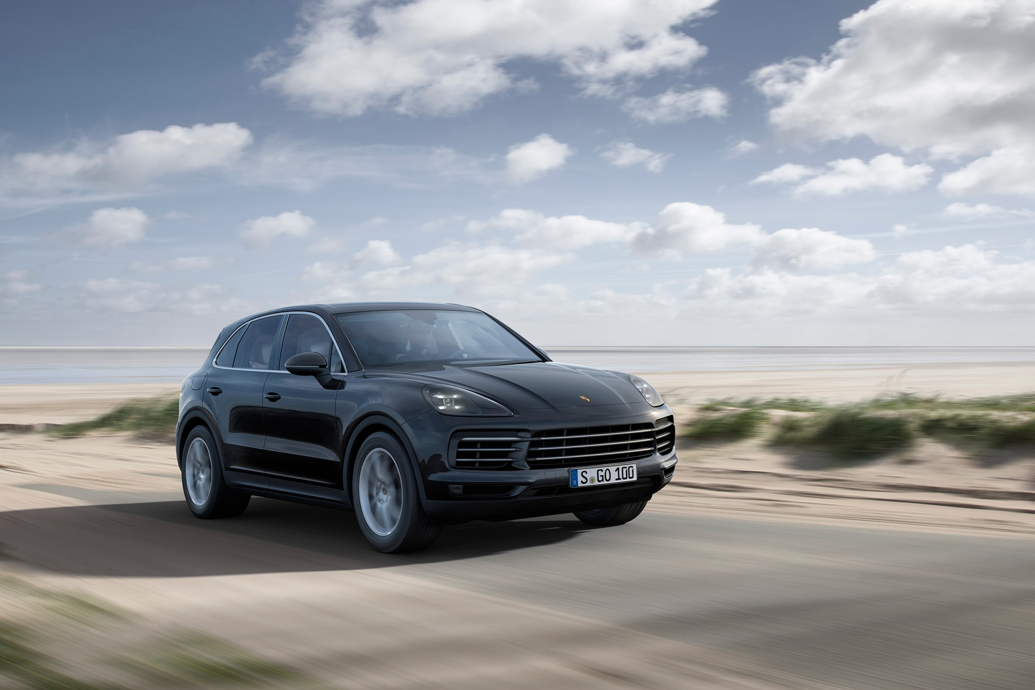 2019 Porsche Cayenne Front Three Quarter In Motion
