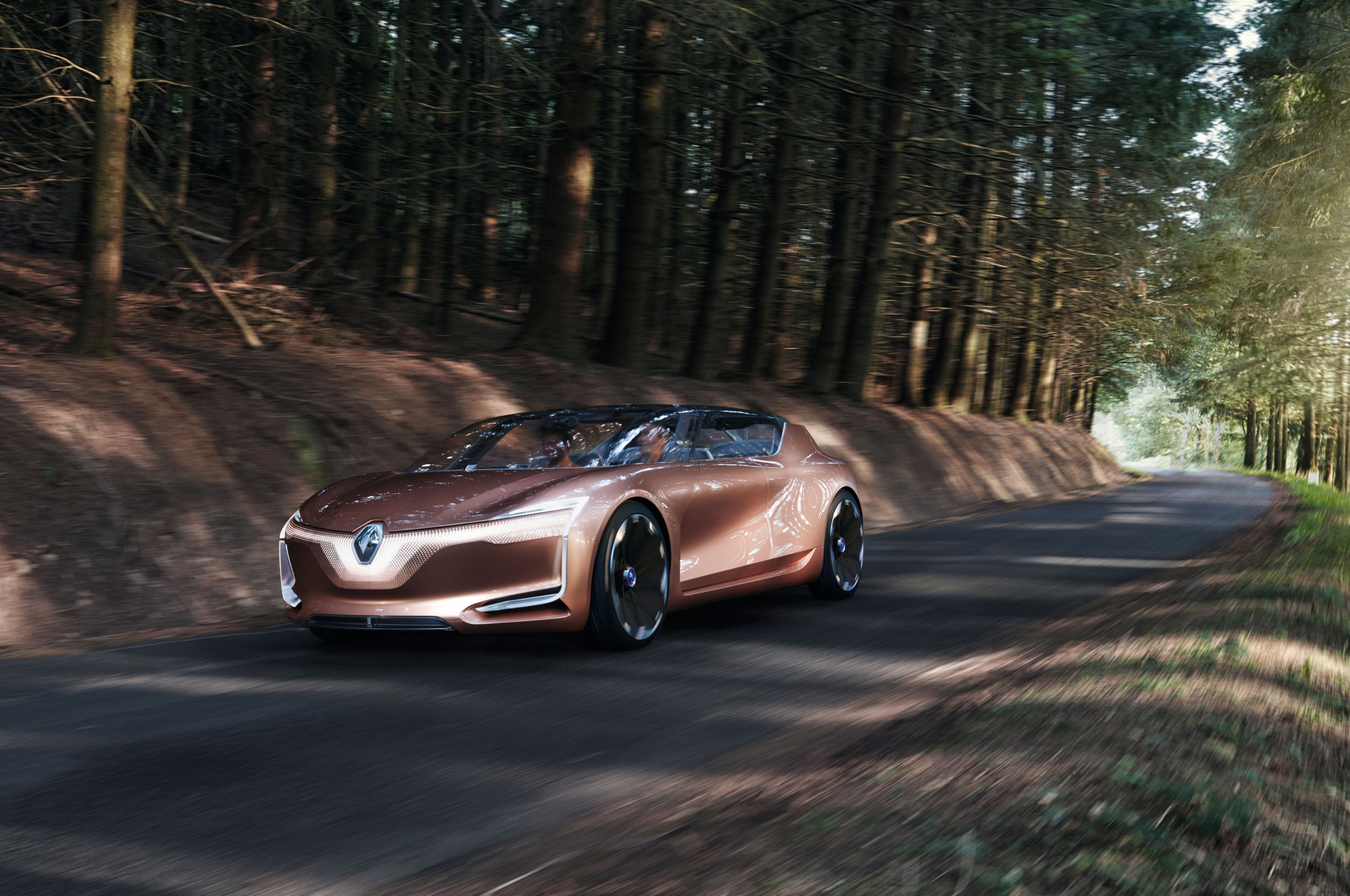 Renault Symbioz Is A Self Driving Car For Future Homebodies