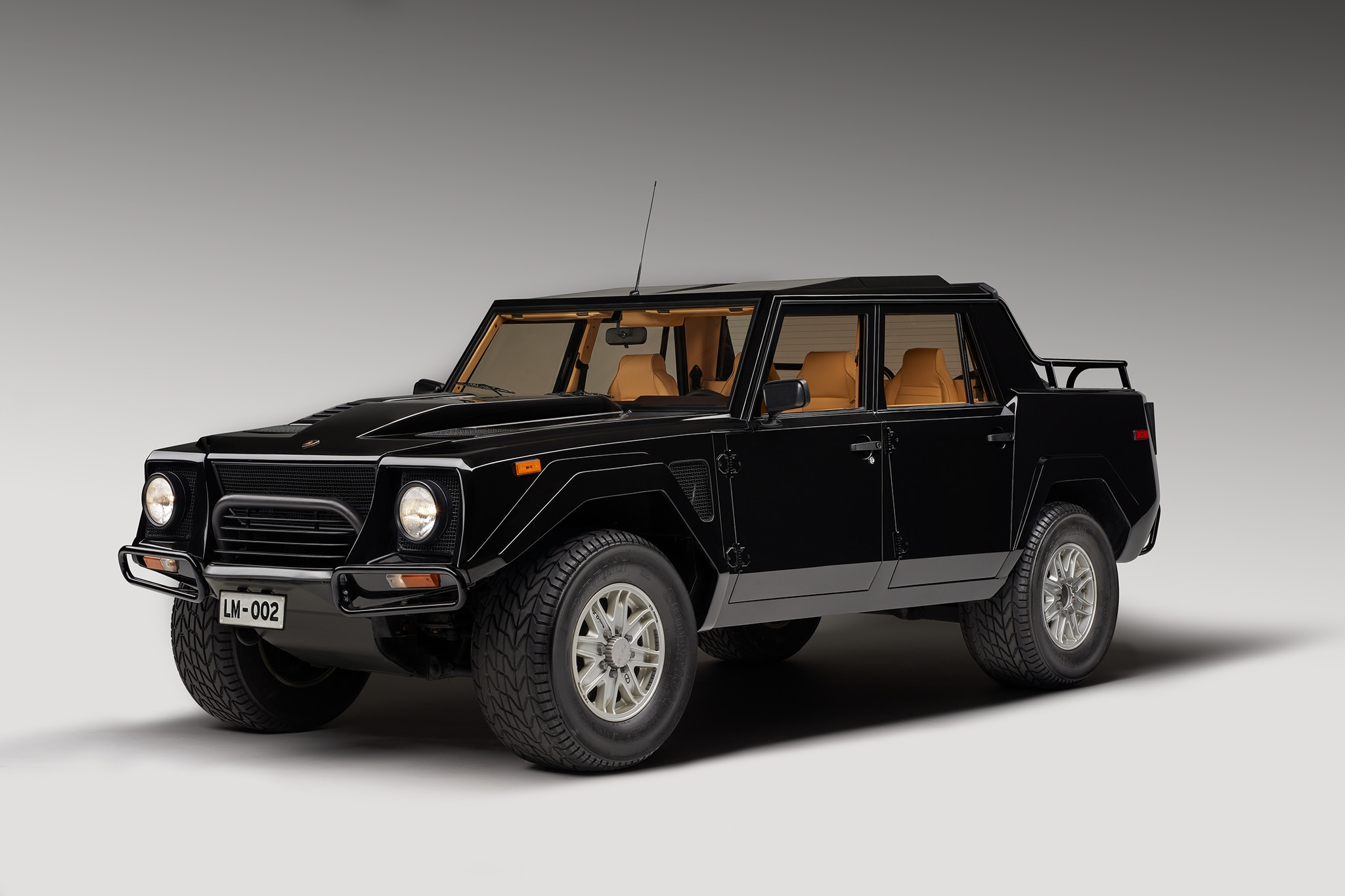 Price Of 2017 Lamborghini >> 1986-1993 Lamborghini LM002 - Luxury SUV Review - Automobile Magazine