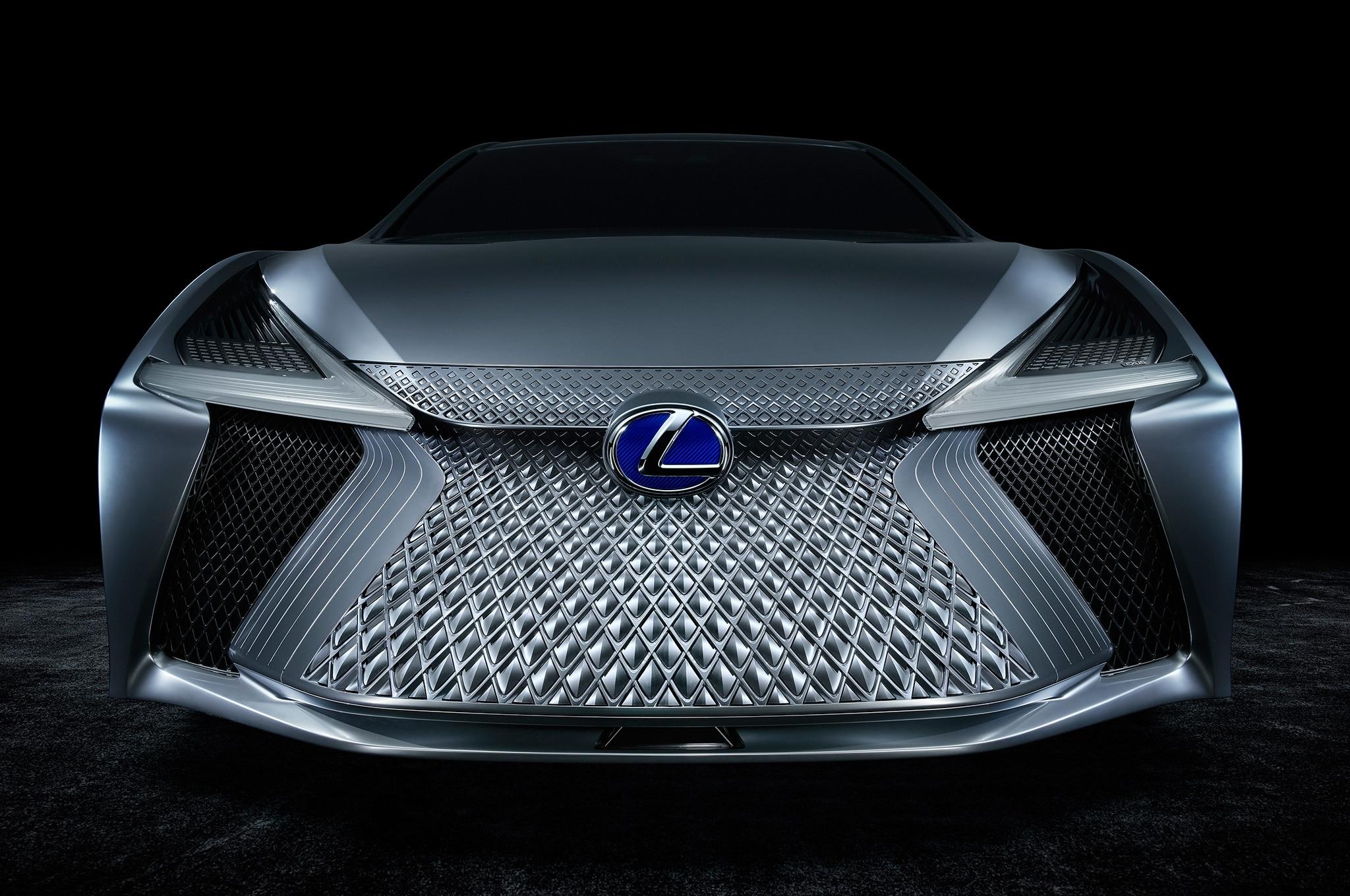 Lexus LS Plus 13