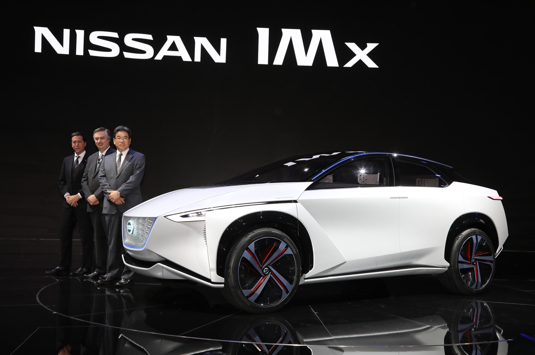 nissan reportedly planning to turn the leaf into an suv