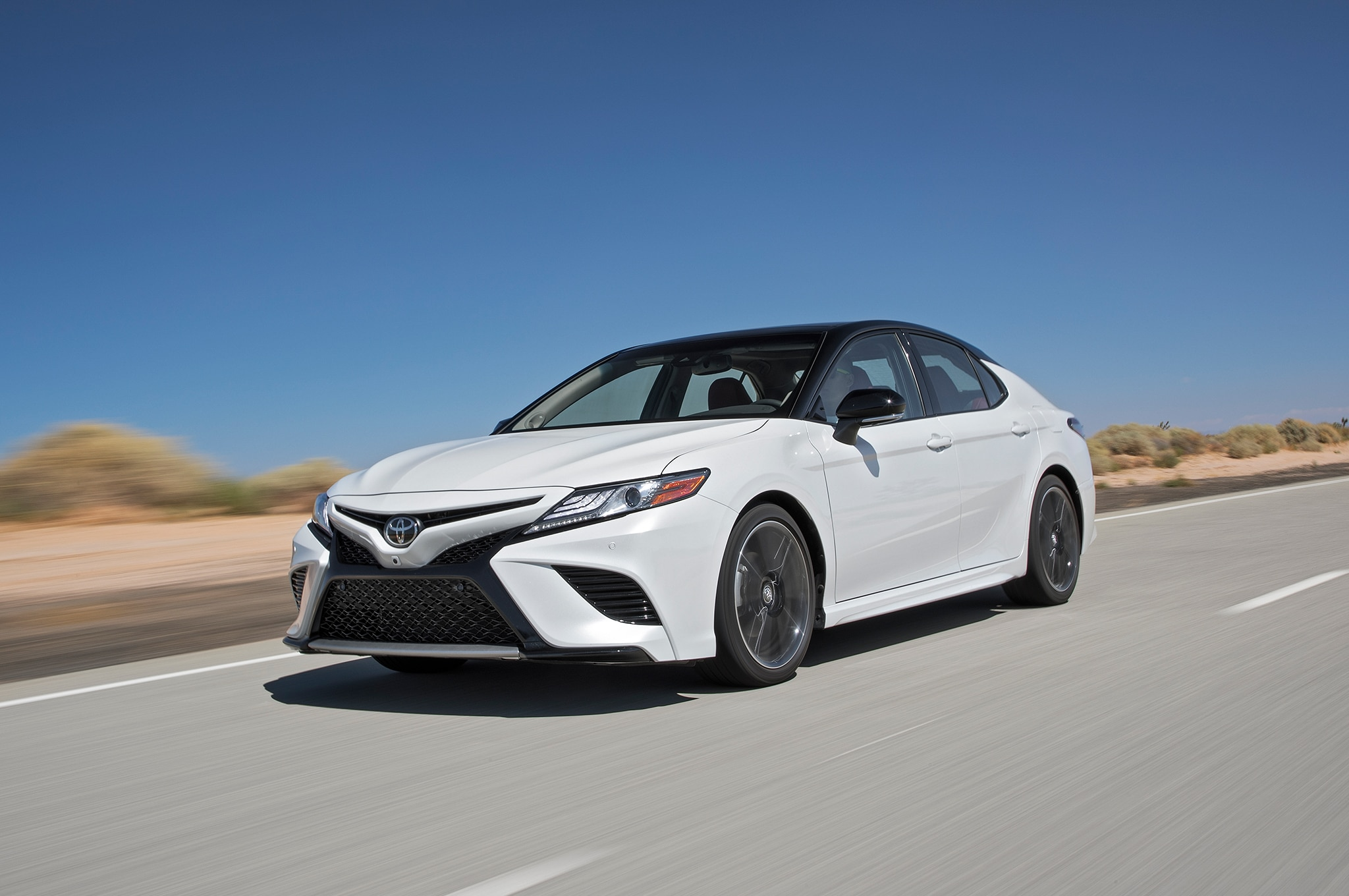 2019 Toyota Camry Hybr...