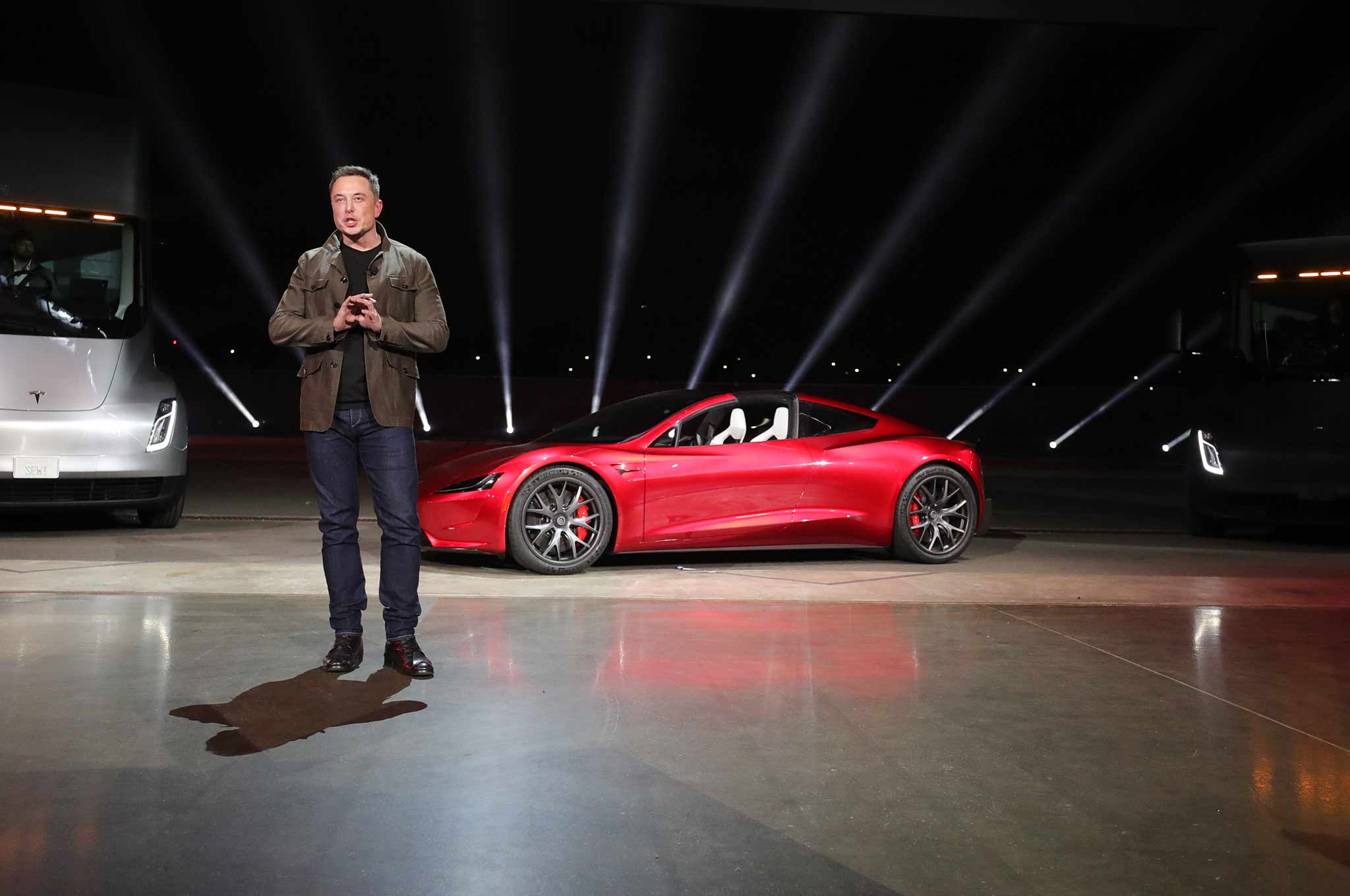 2020 Tesla Roadster Unveiled Starts At 200 000 Motortrend