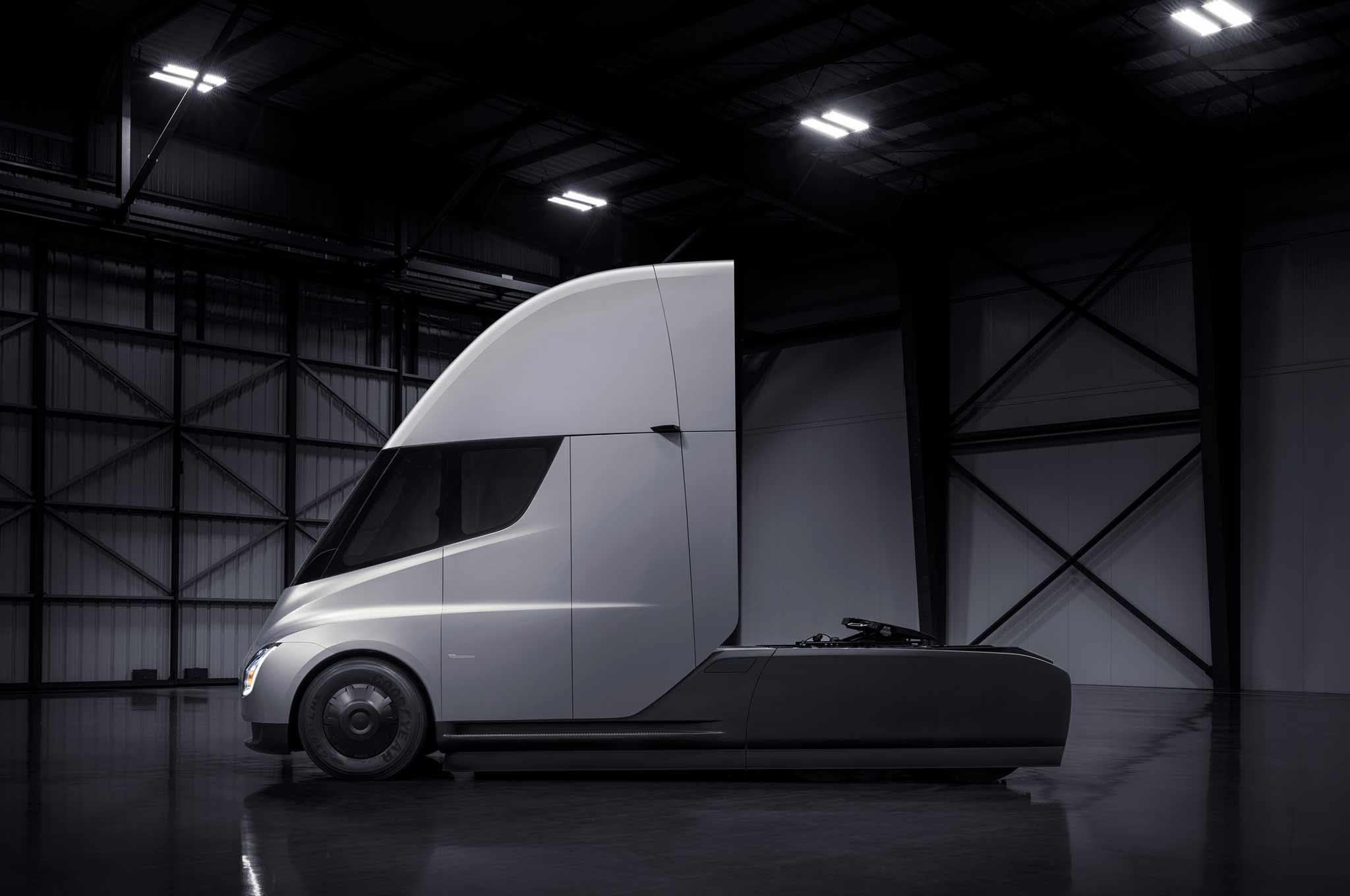 Tesla's Electric Semi-Truck Can Hit 60 MPH in Just 5.0 Seconds | Automobile Magazine