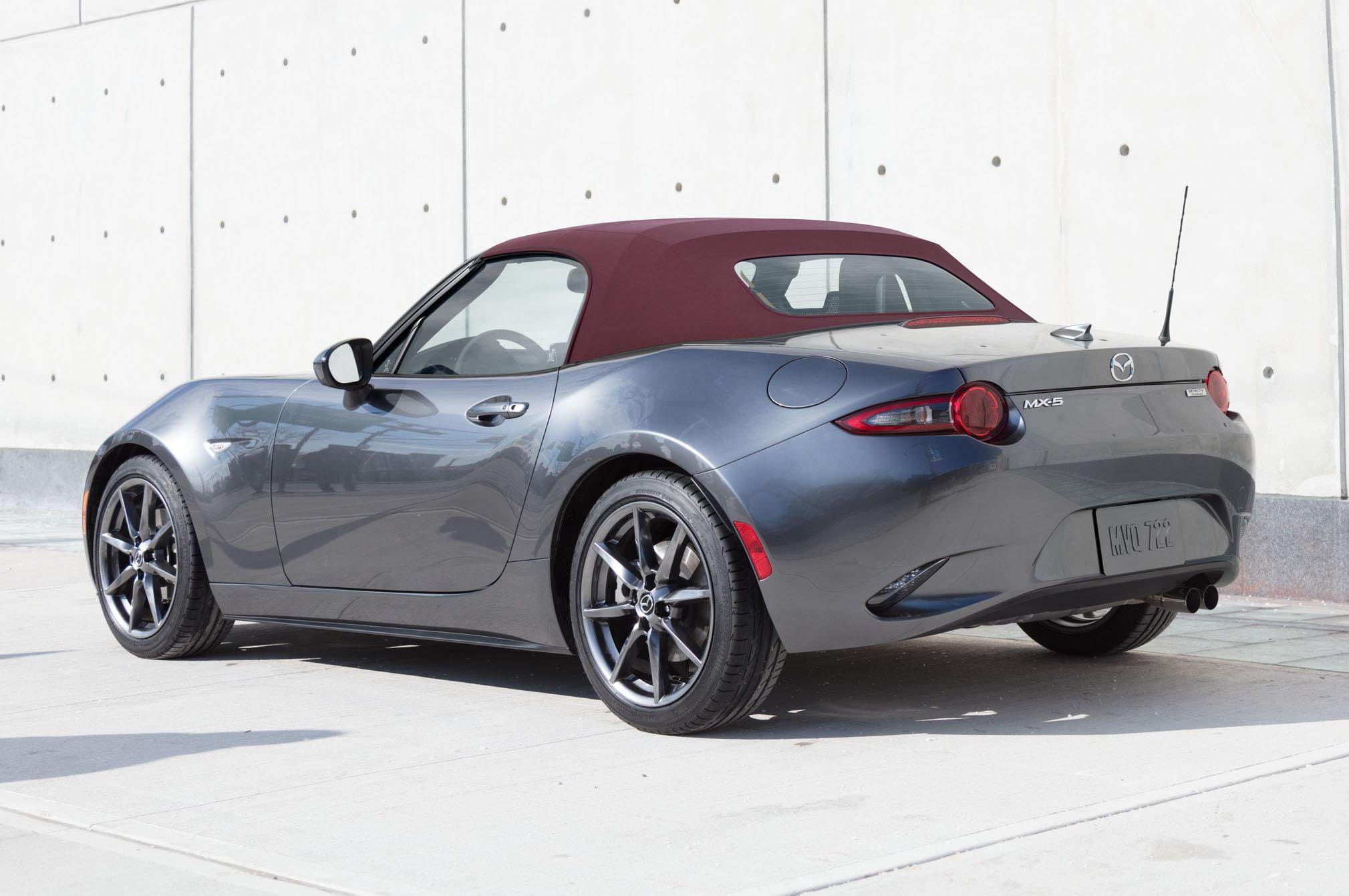 2018 Mazda Miata Gets A Cherry Red Soft Top Option