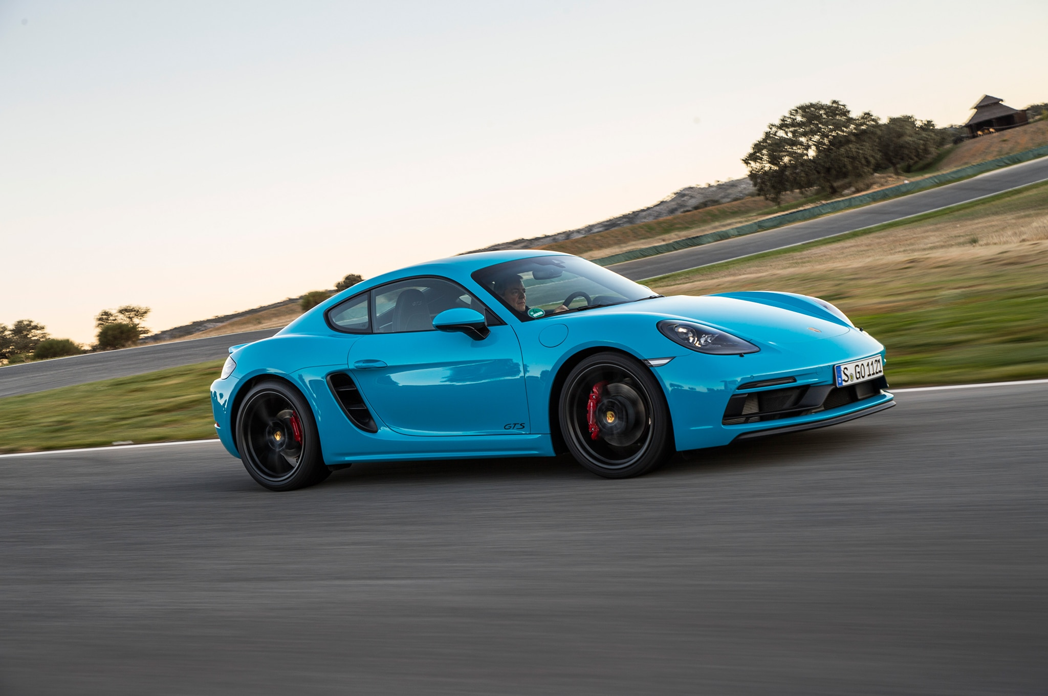 2018 Porsche 718 Cayman GTS Side In Motion 03