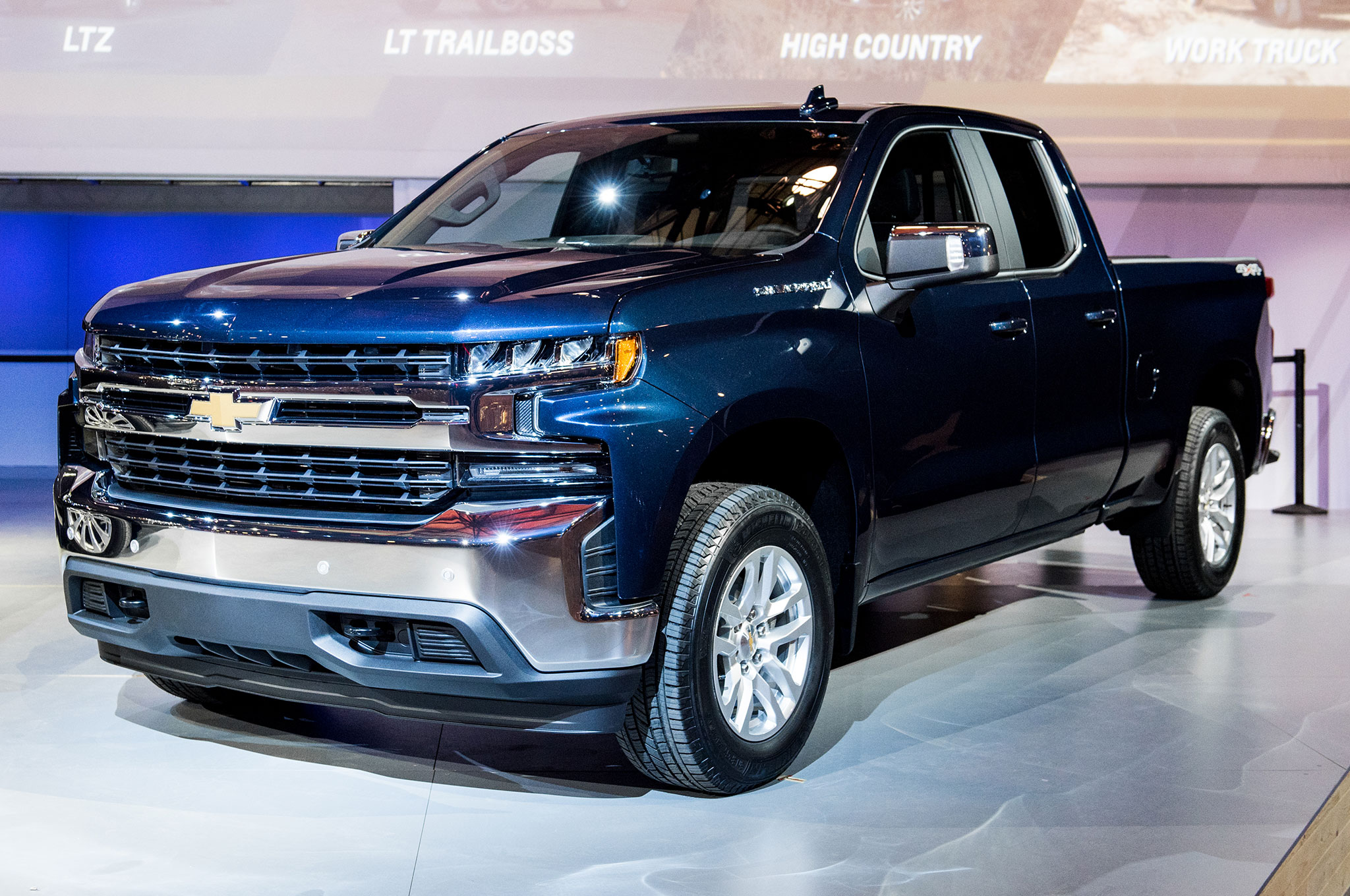 12 cool things about the 2019 chevrolet silverado. Black Bedroom Furniture Sets. Home Design Ideas
