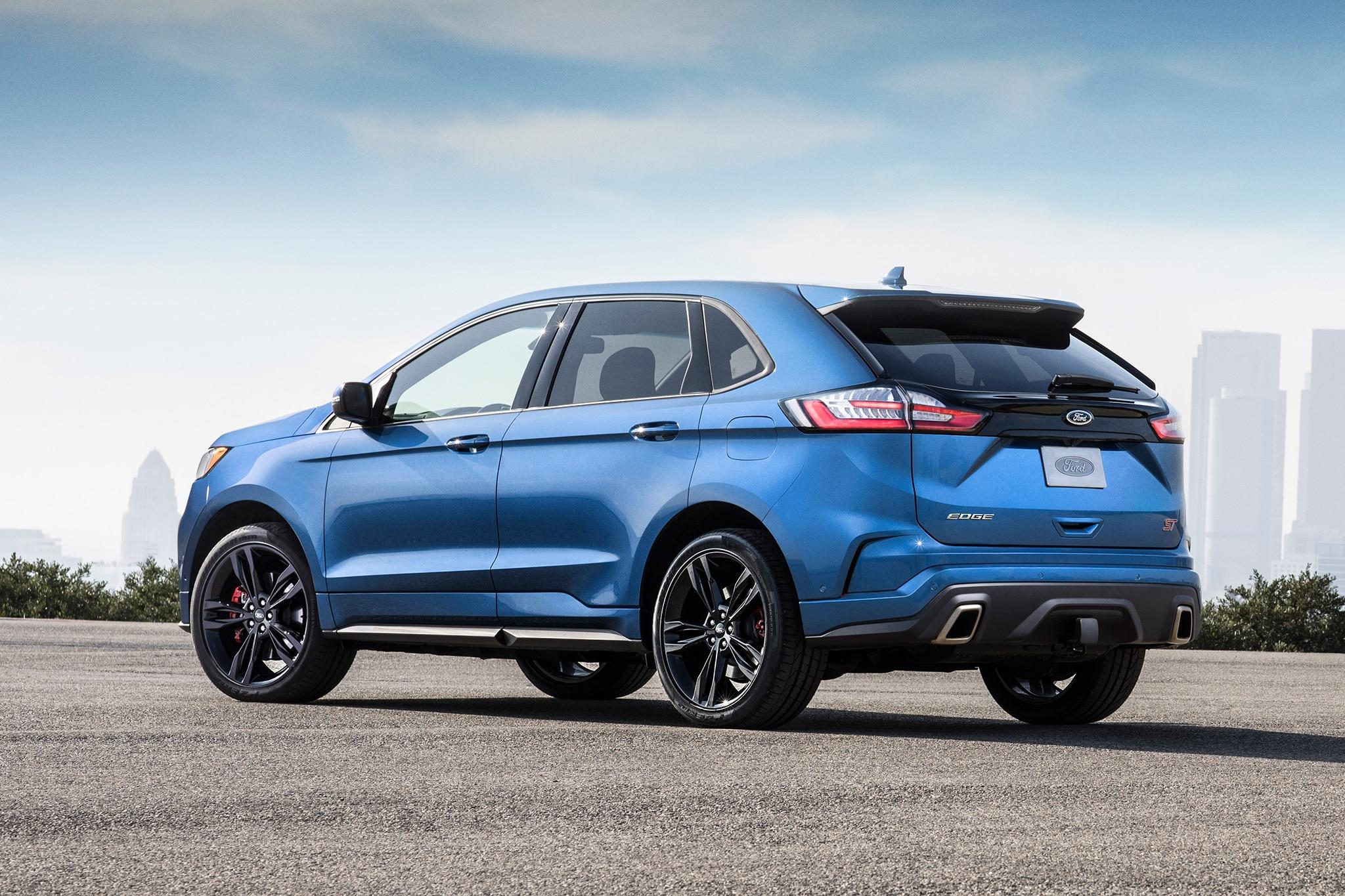 2019 Ford Edge ST Rear Three Quarter 1