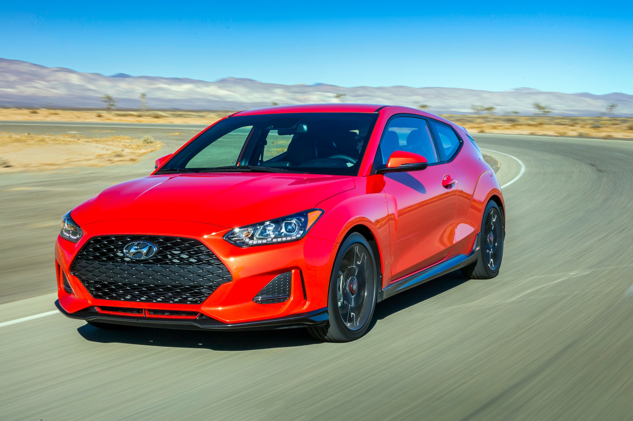 2019 Hyundai Veloster R Spec Front Three Quarter In Motion 04