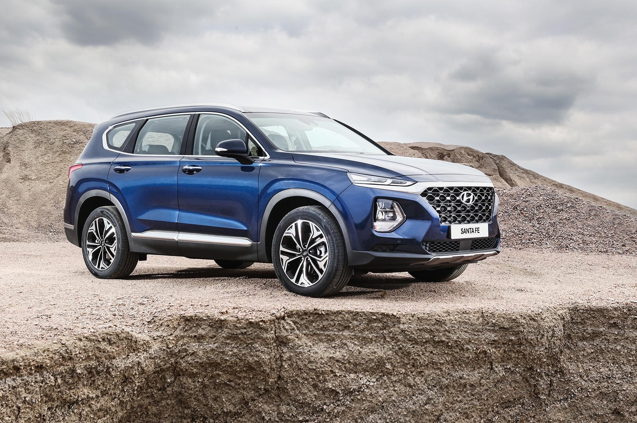 2019 Hyundai Santa Fe Korean Market Front Three Quarter 1