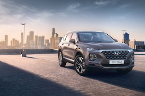 2019 Hyundai Santa Fe Korean Market Front Three Quarter 5
