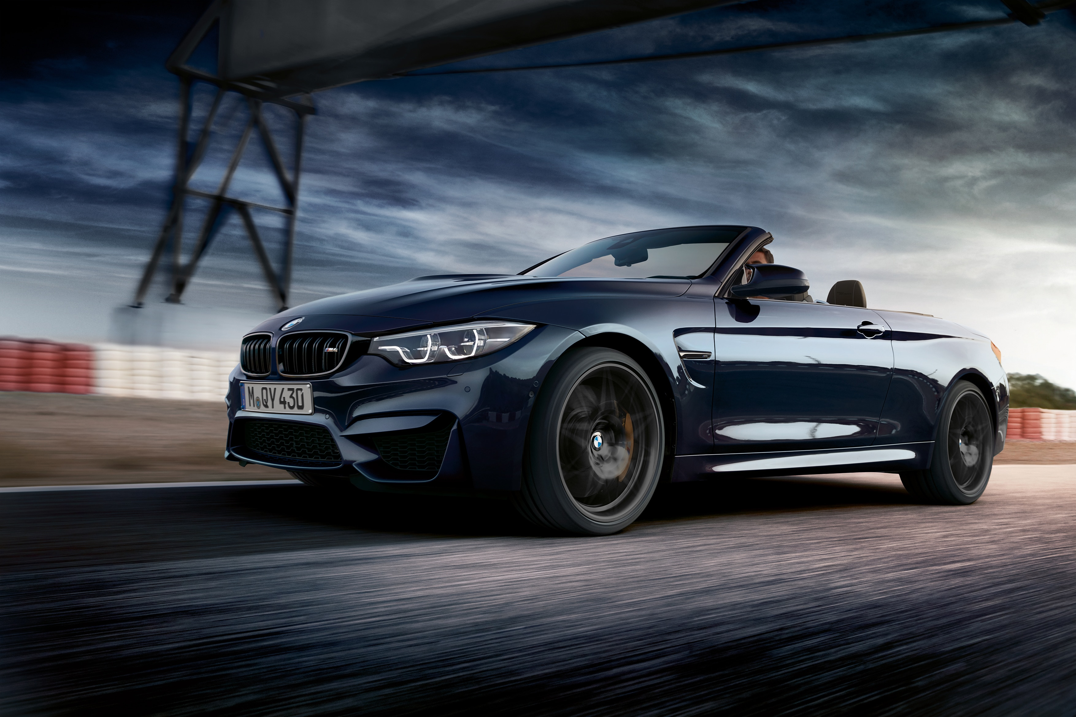 BMW M4 Convertible Edition 30 Jahre 13