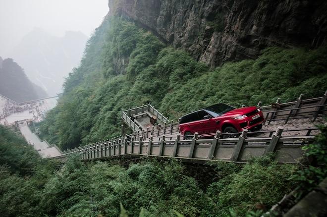 Range Rover Sport PHEV Climbing To Heavens Gate