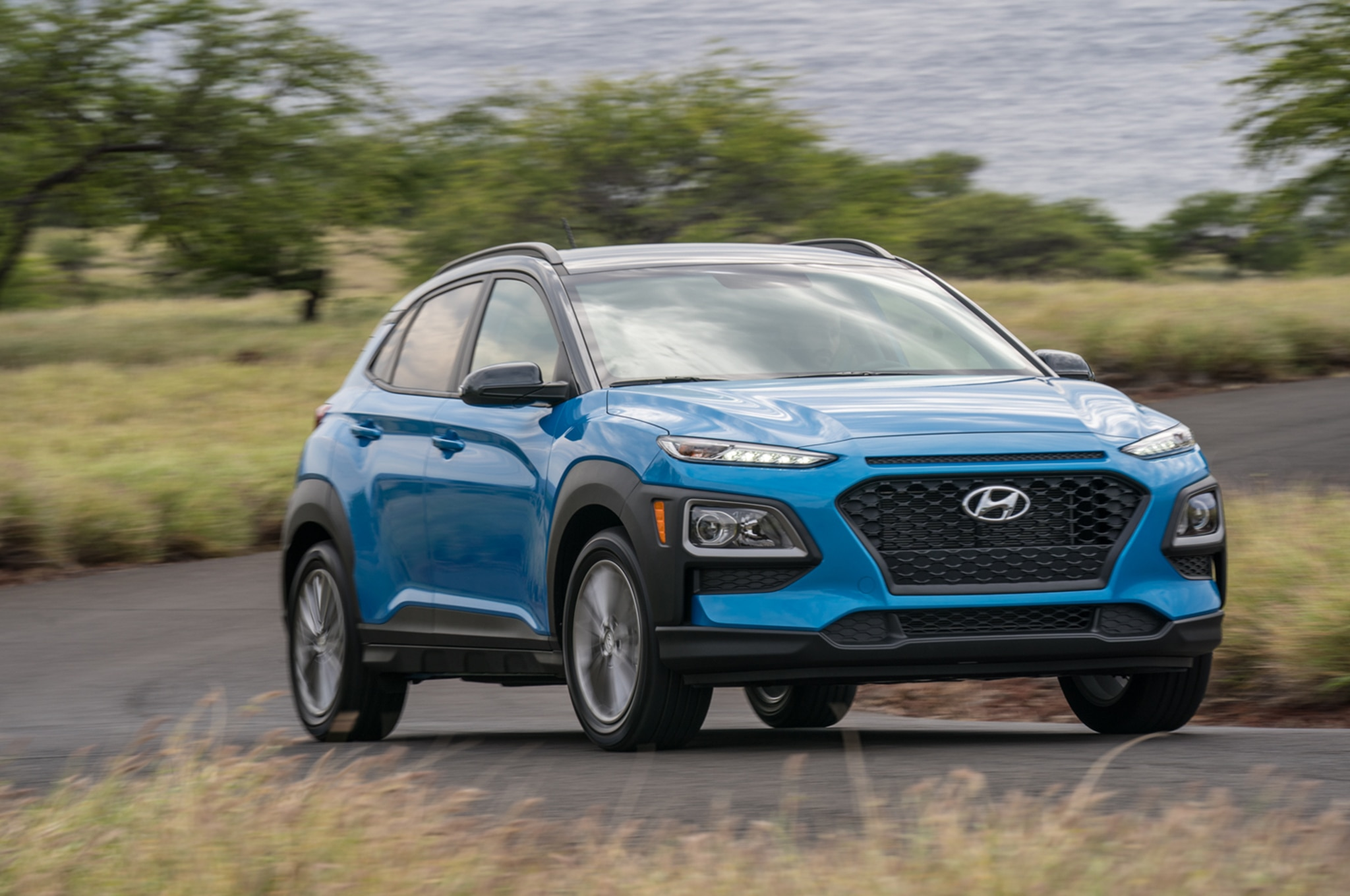 2018 Hyundai Kona Front Three Quarter In Motion 6