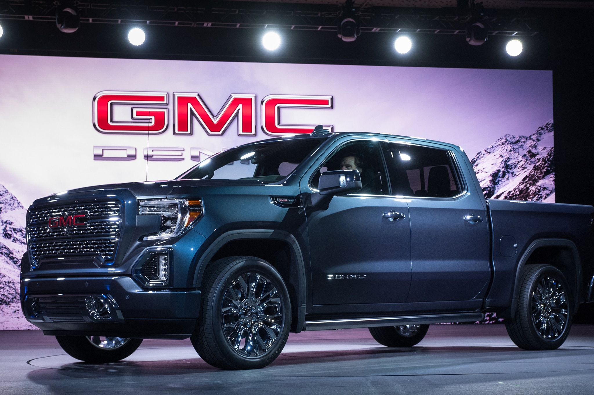 2019 GMC Sierra Denali is Ready for Pick Up | Automobile ...