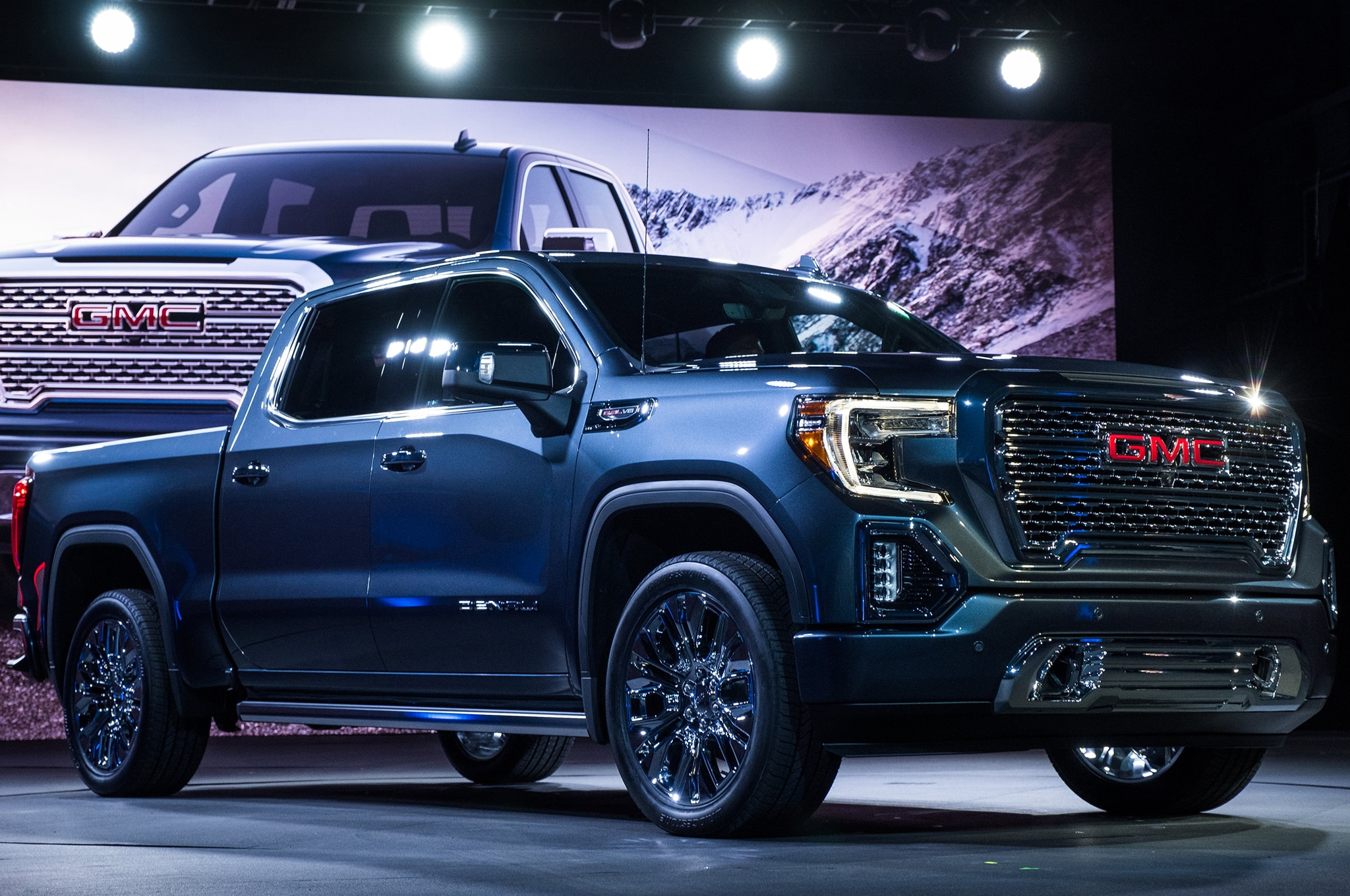 2019 GMC Sierra Denali is Ready for Pick Up | Automobile ...